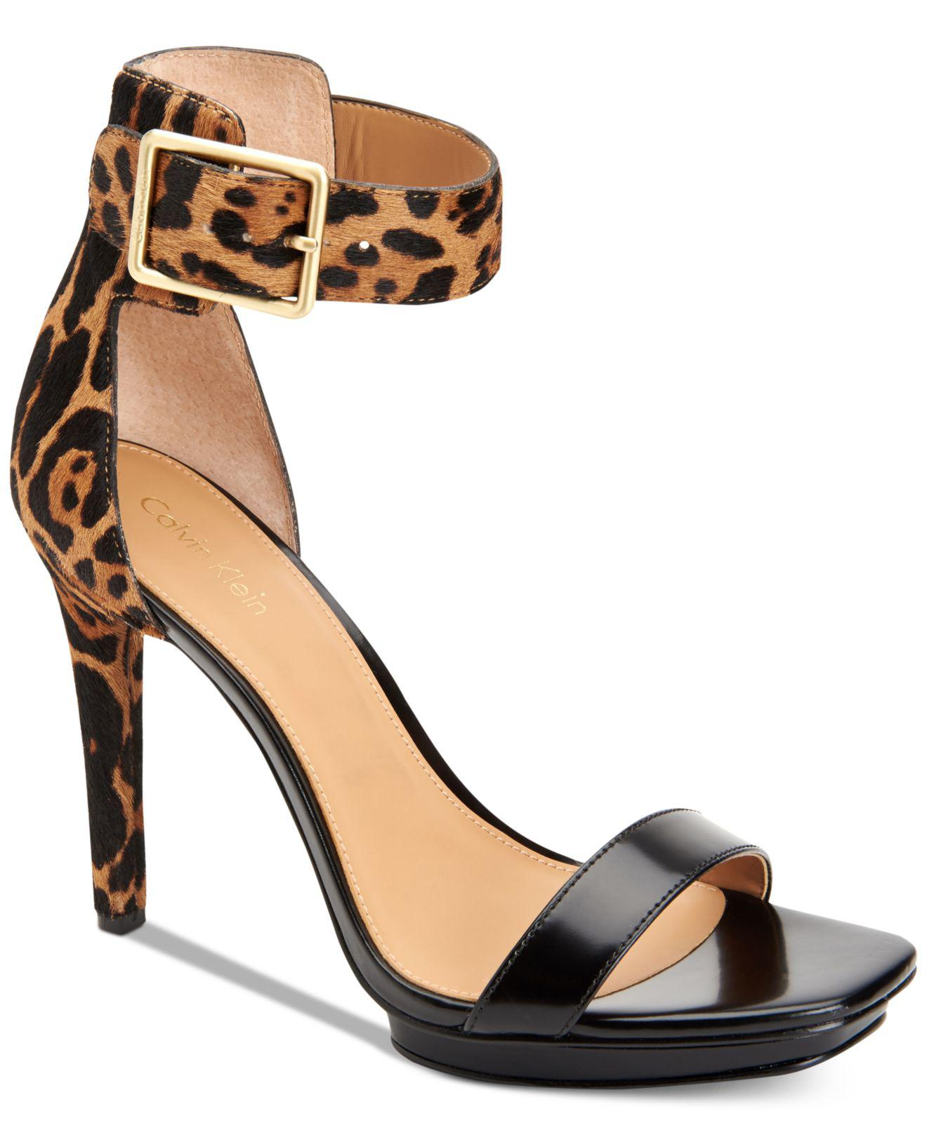 42ecf8e007b Lyst - Calvin Klein Women s Vable Sandals in Black