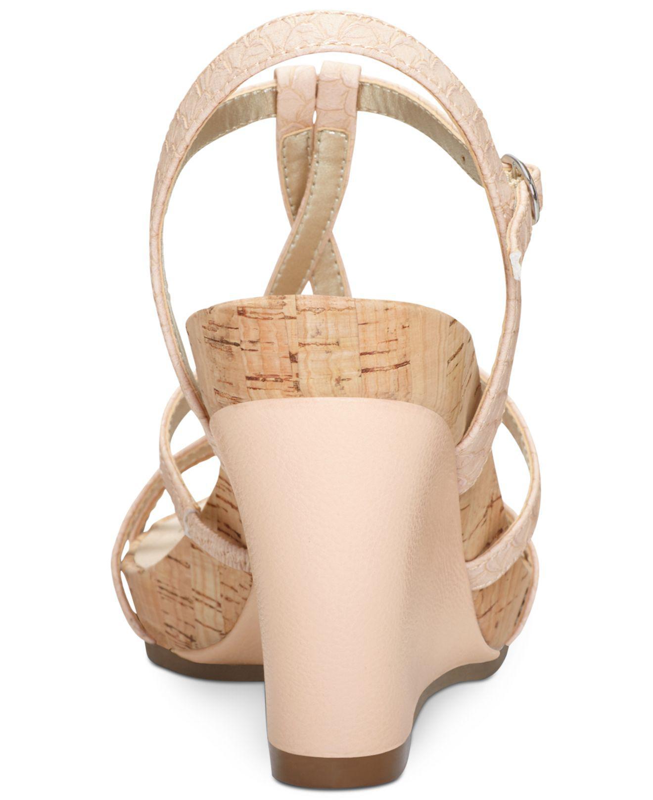 4d1efb09e35 Lyst - Aerosoles Plush Song Wedge Sandals
