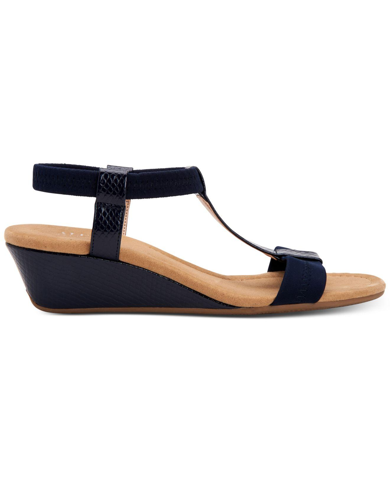 a5a73bf5261 Alfani Voyage Wedge Sandals in Blue - Lyst