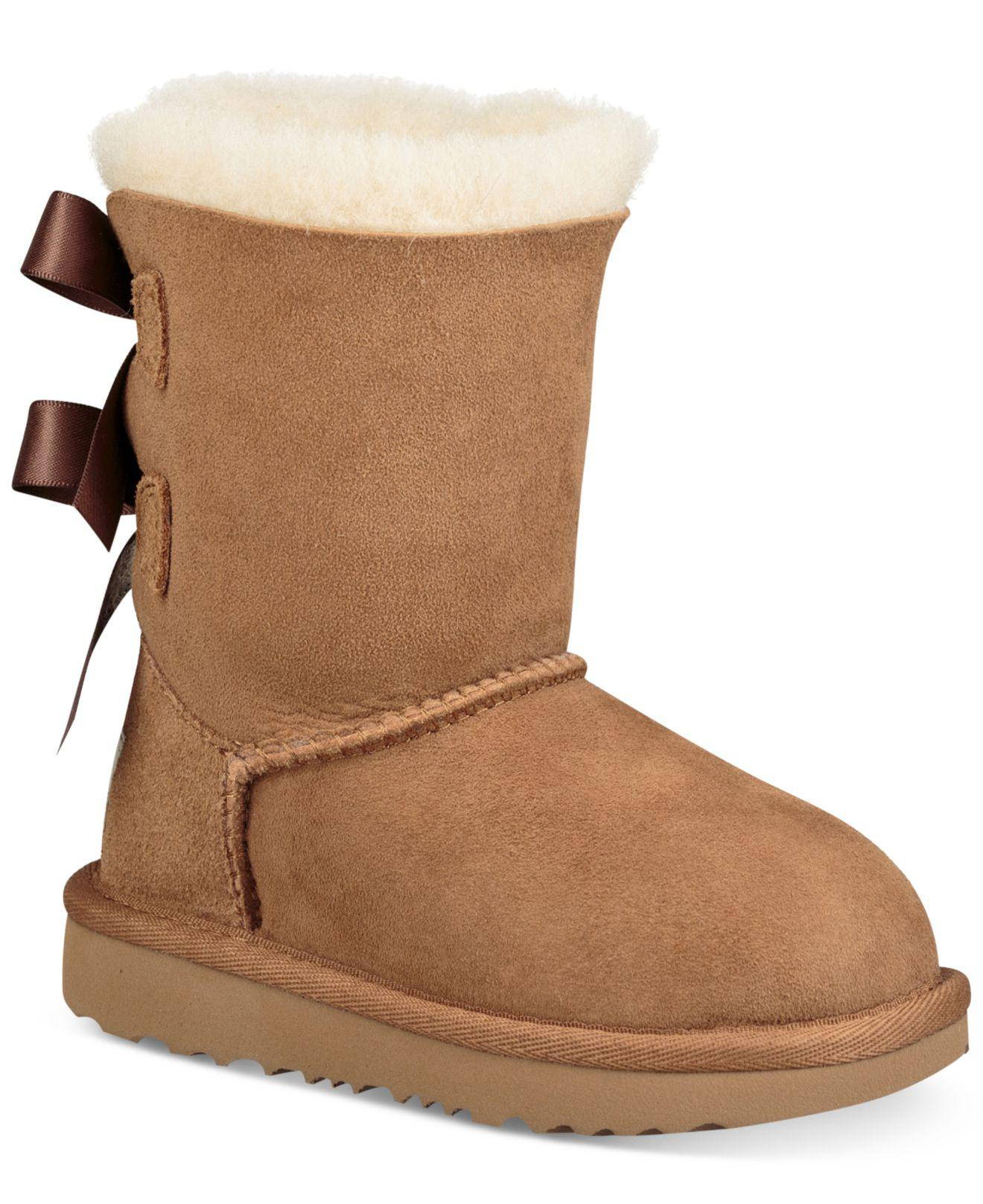 bailey bow uggs tan