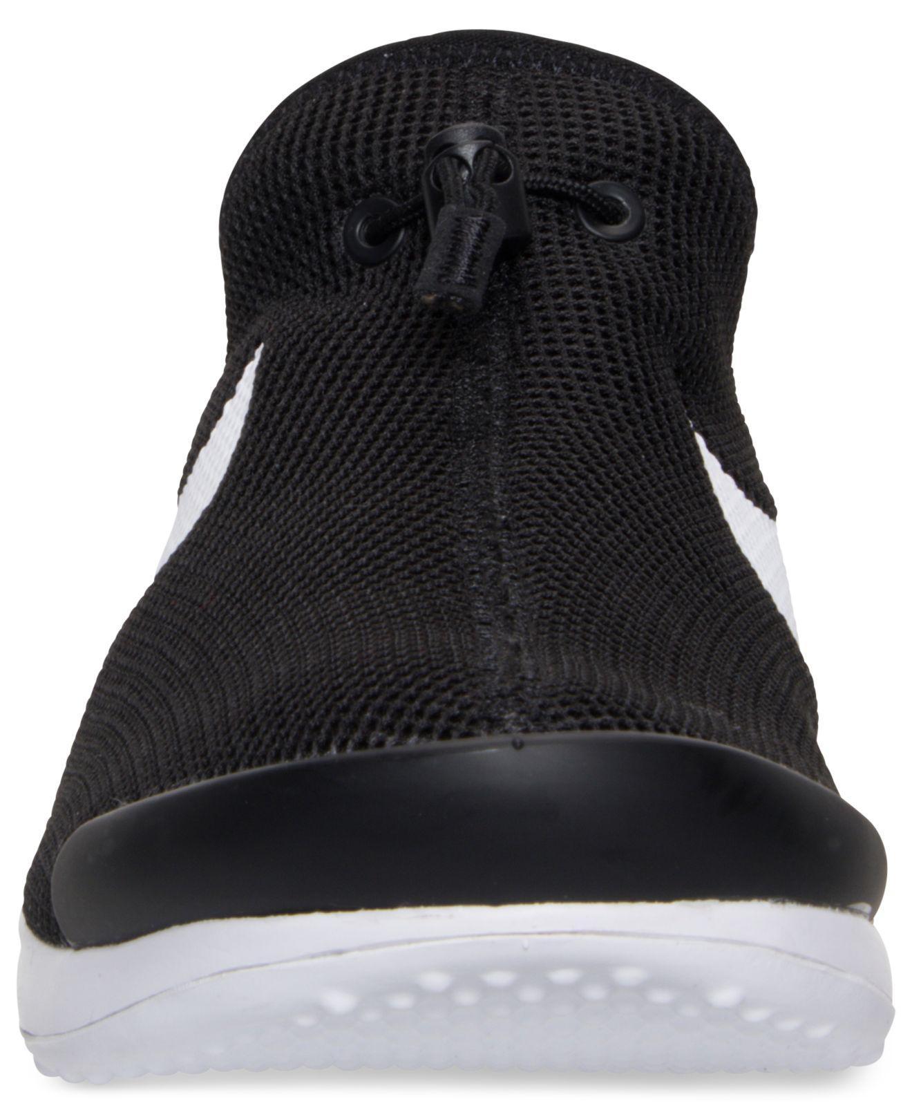 lyst nike donne aptare casual scarpe dal traguardo in nero
