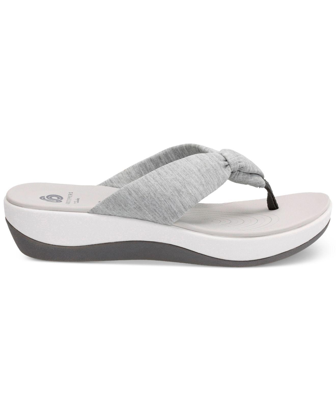 26c98d607333 Lyst - Clarks Arla Gilson Flip Flops in Gray - Save 27%