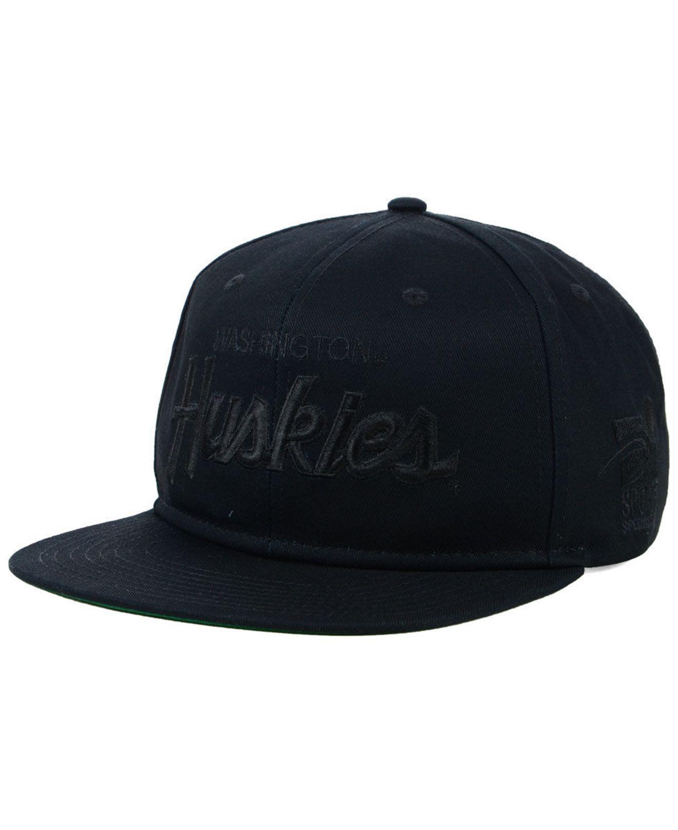 new products 52fd1 572d7 ... czech nike. mens washington huskies sport specialties black on black  snapback cap 8f6bd 402bb