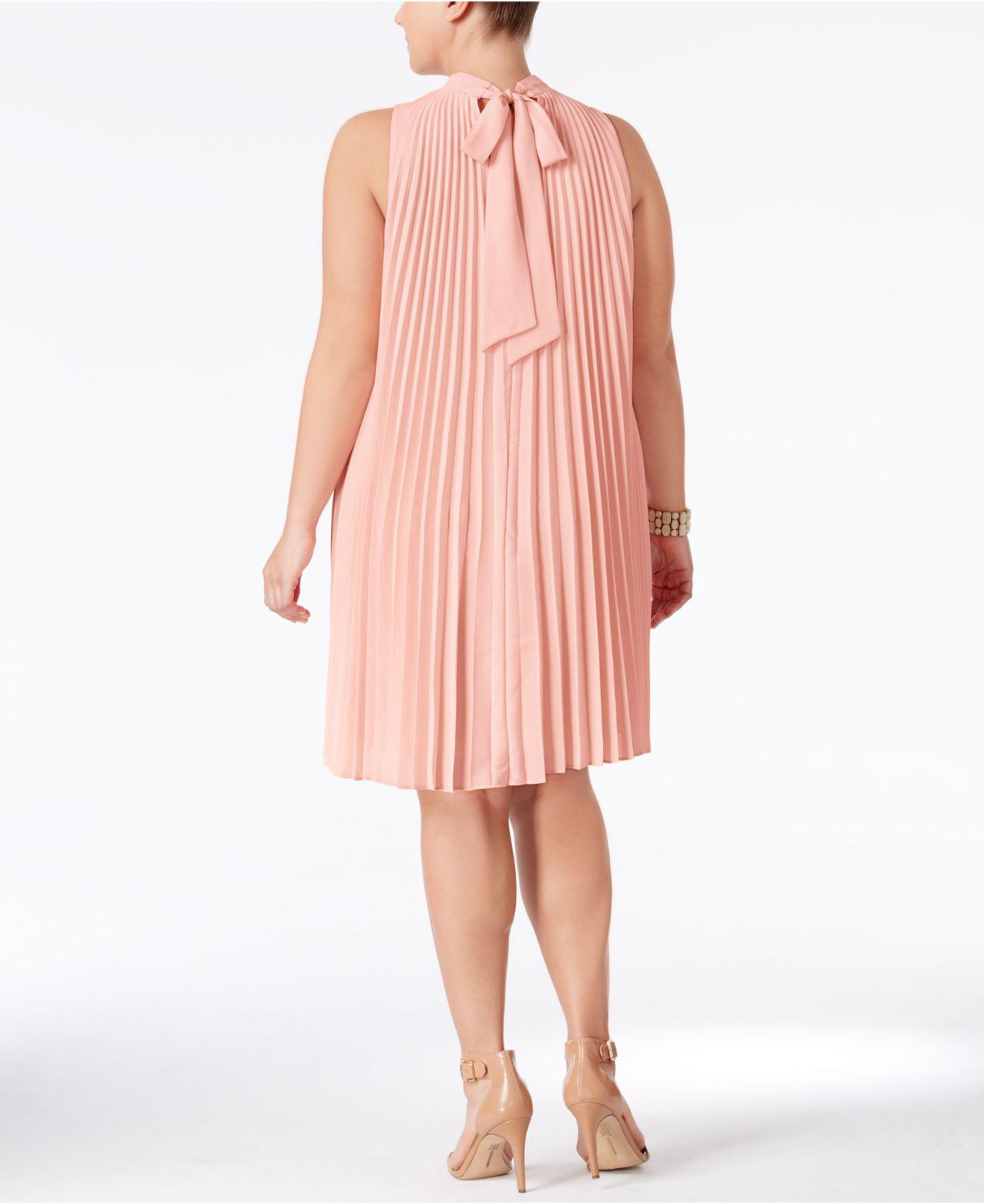 Plus Size High-neck Pleated Shift Dress