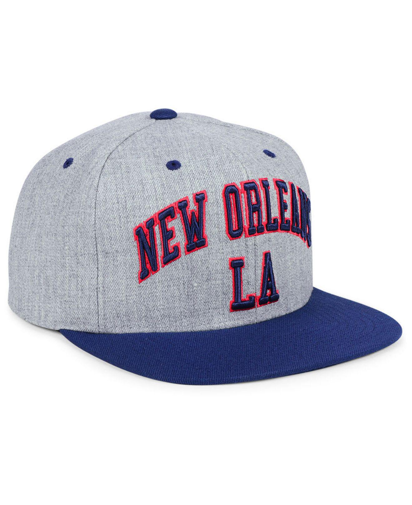 buy popular 6b4c2 84f9a Mitchell   Ness New Orleans Pelicans Side Panel Cropped Snapback Cap ...