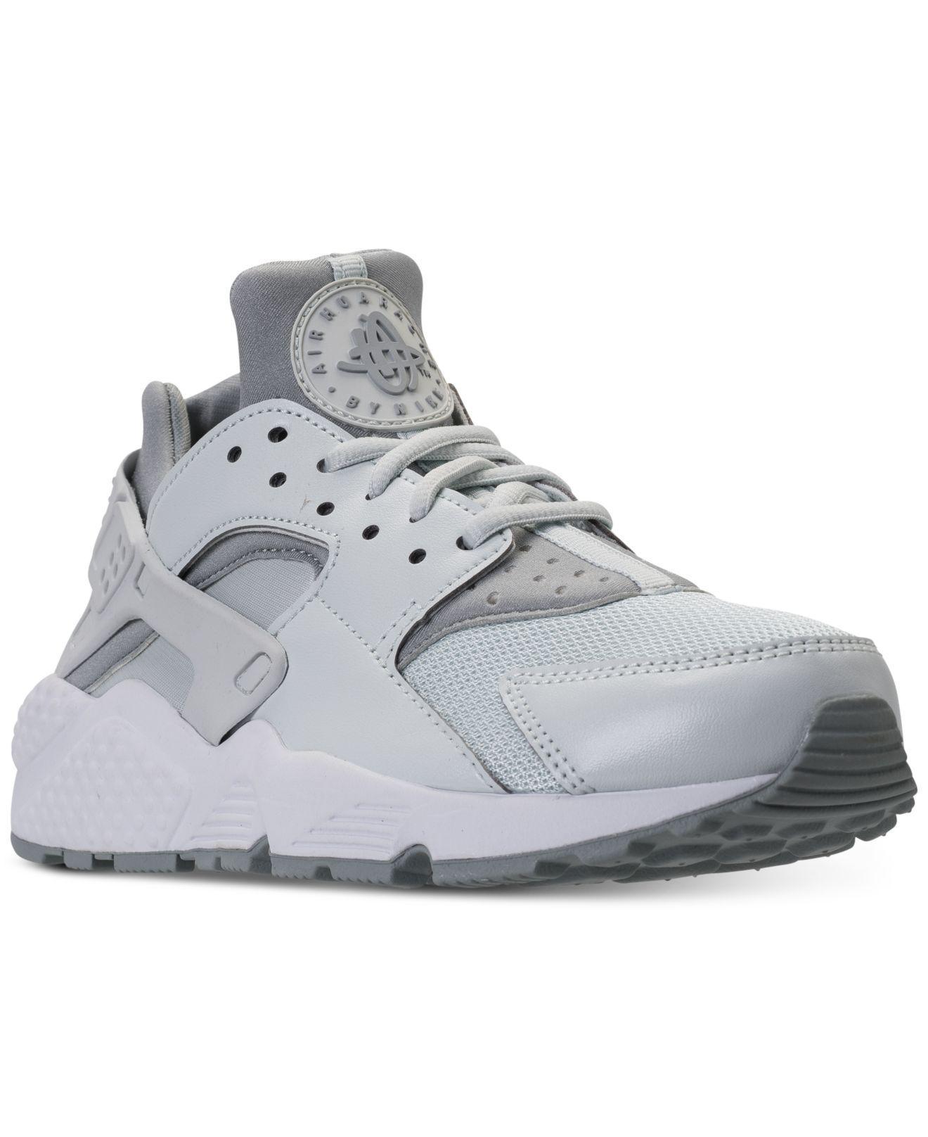 lyst nike air huarache scappa correndo scarpe dal traguardo in grigio.