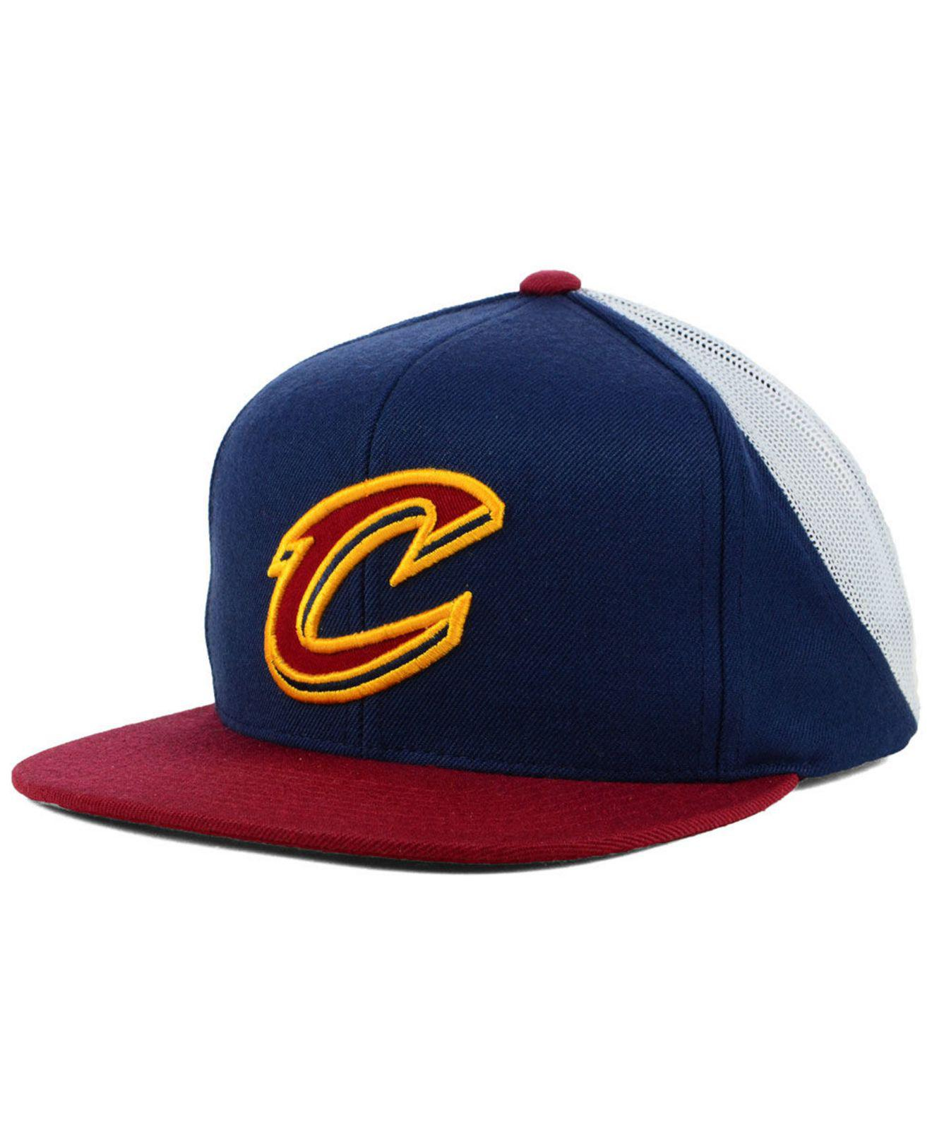 6b70960d004 Lyst - Mitchell   Ness Cleveland Cavaliers Curved Mesh Snapback in ...