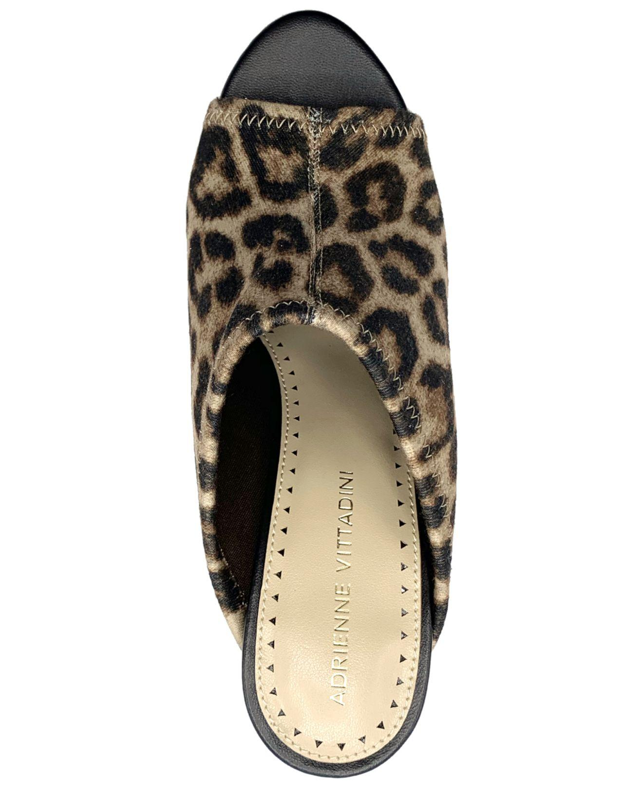 Adrienne Vittadini Footwear Womens Davey Moc Slide W// Chain Mule