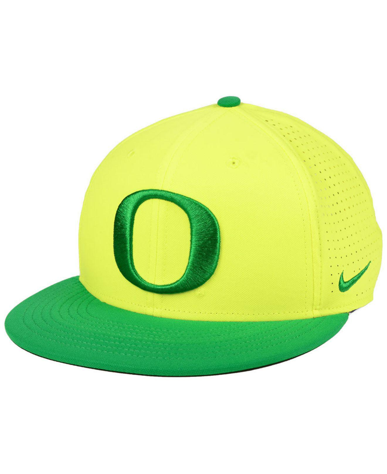 promo code 54435 fbd71 ... czech nike. mens green oregon ducks dri fit vapor snapback cap 98eab  7733f