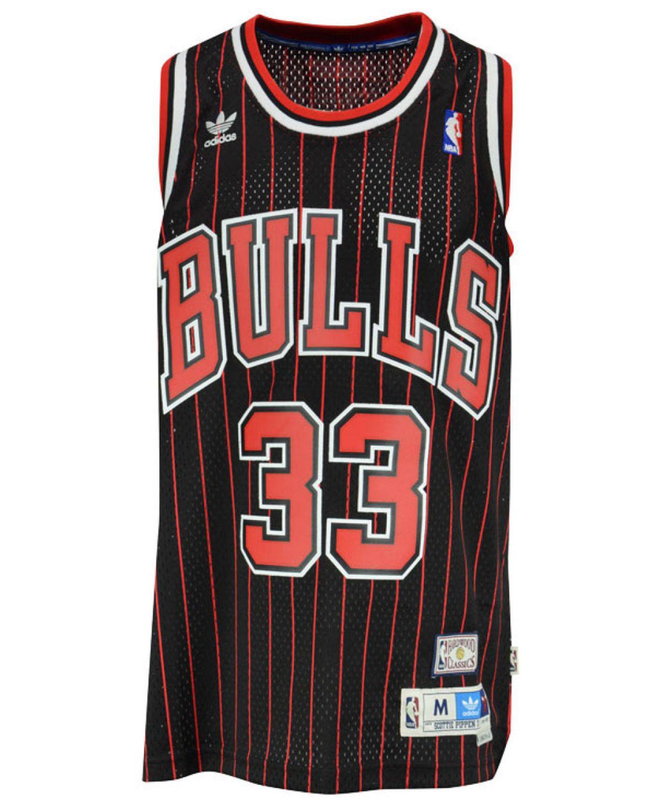 adidas Men's Scottie Pippen Chicago Bulls Swingman Jersey in Black ...