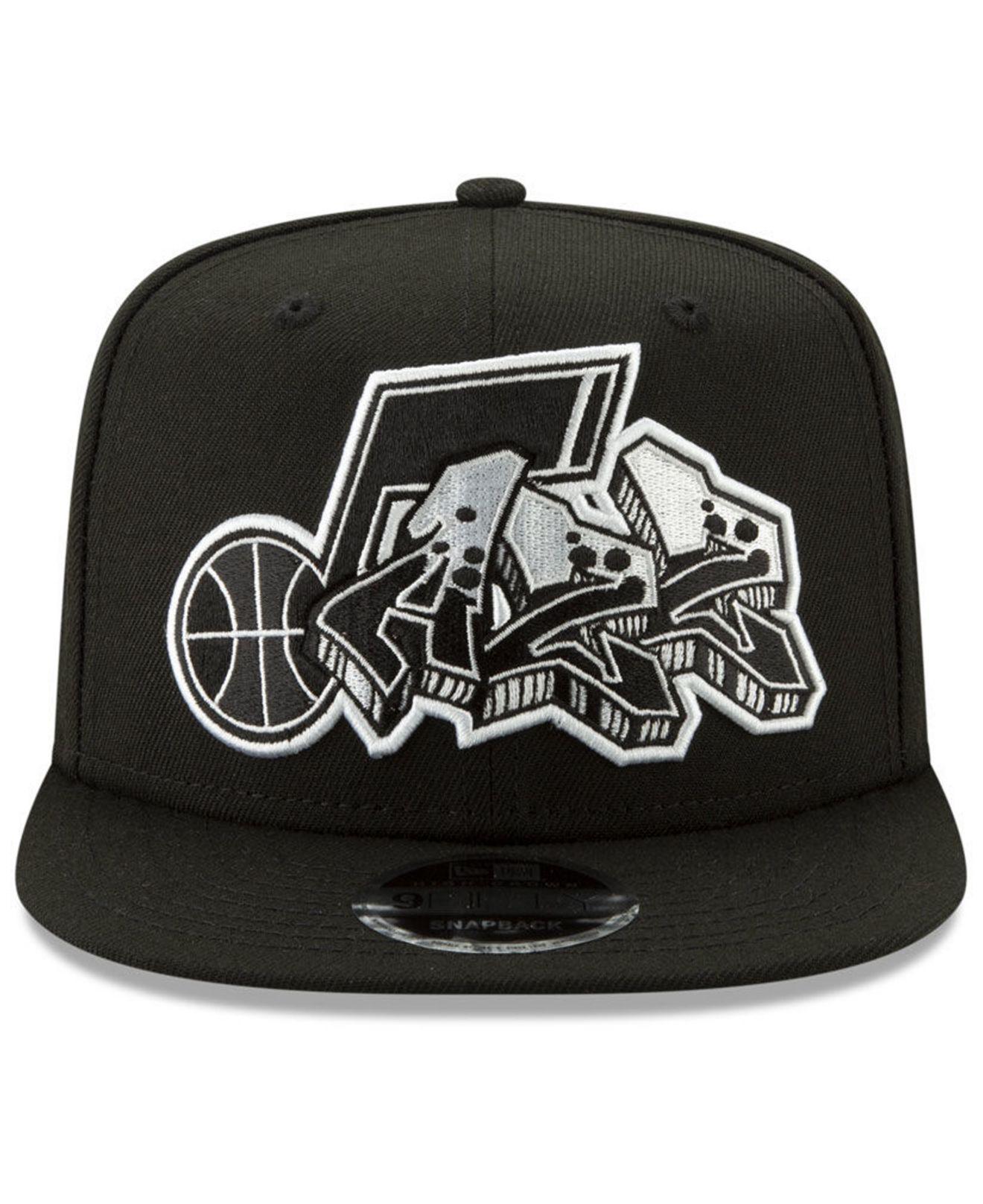 lowest price bf0d8 0099b KTZ Chicago Bulls Retroword Black White 9fifty Snapback Cap in Black ...