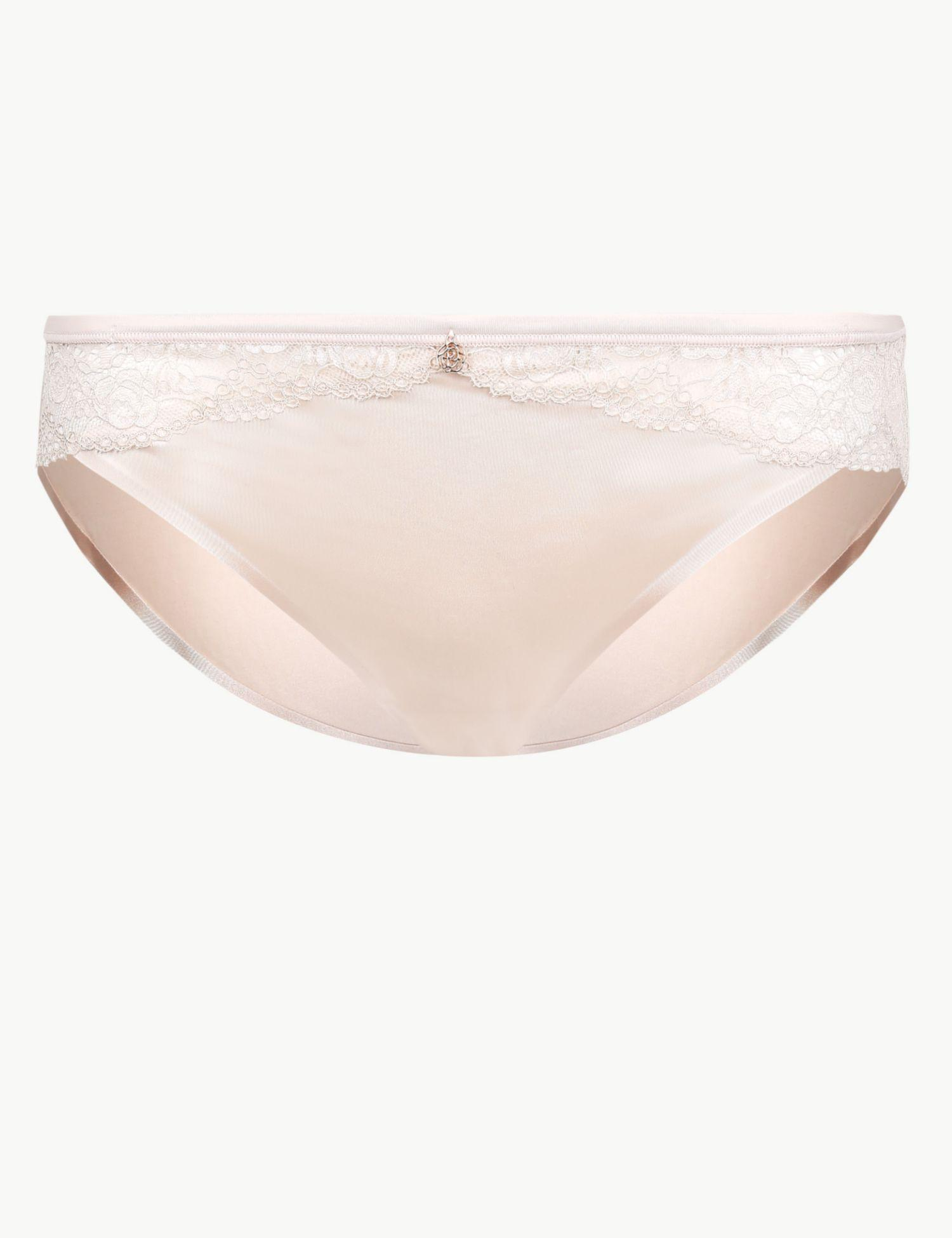 e9bf71f28250a Marks & Spencer Smoothing No Vpl Brazilian Knickers in Black - Lyst