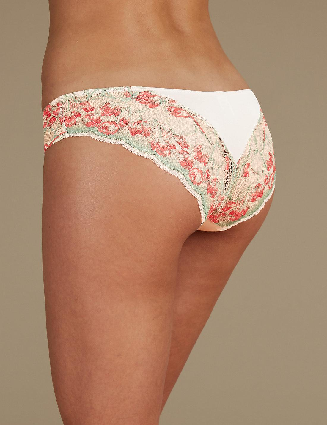 M/&S Louisa Floral Lace High Leg Knickers//Briefs Flirty Heart shaped back