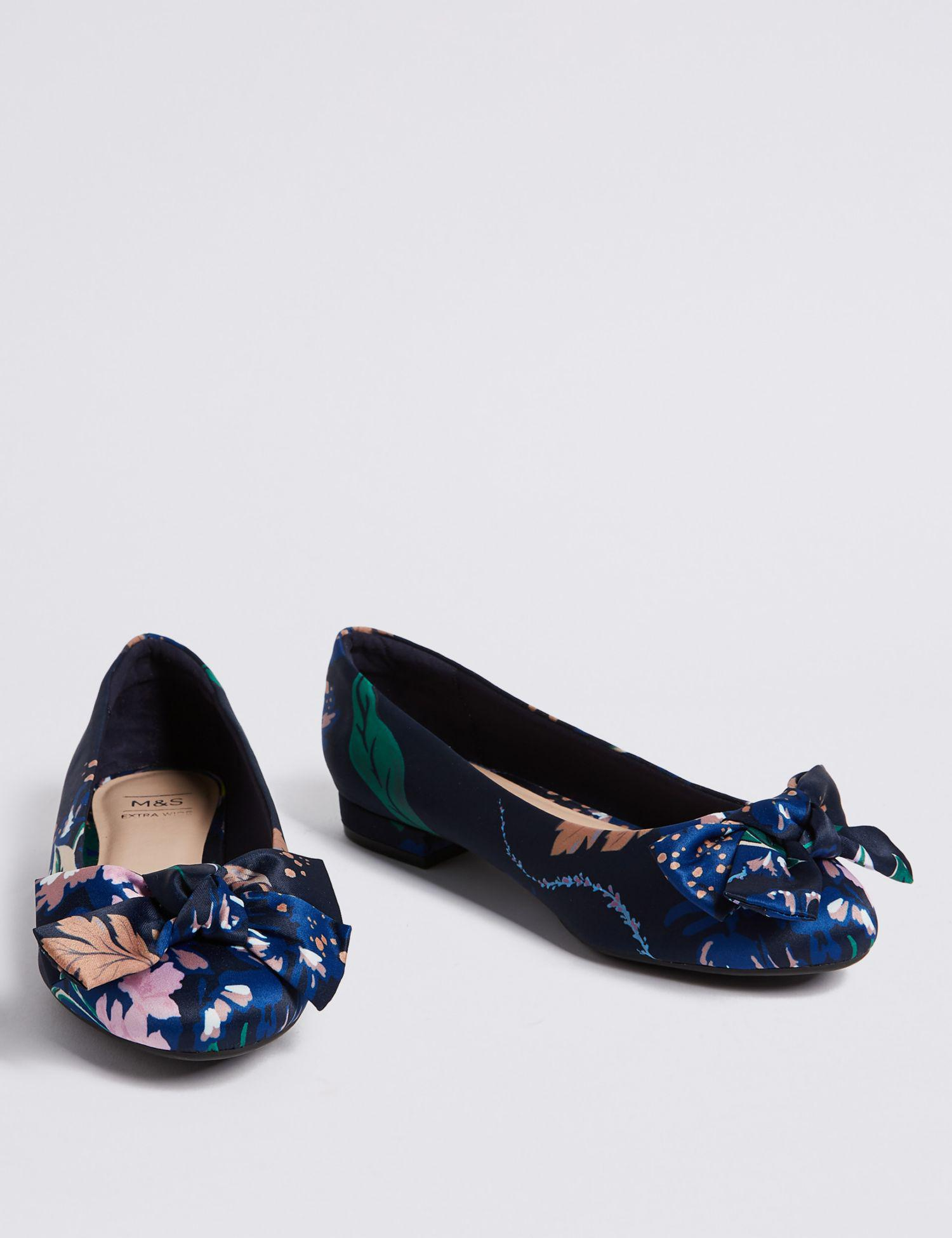e7809ceeb3f Marks   Spencer Extra Wide Fit Bow Ballet Pumps in Blue - Lyst