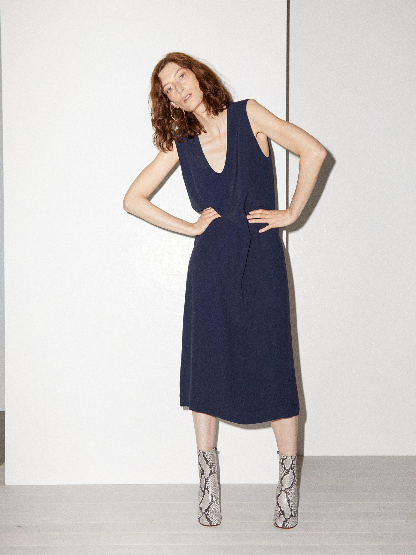 10700384e5991 Lyst - Raey V Neck Crepe Pinafore Dress in Blue