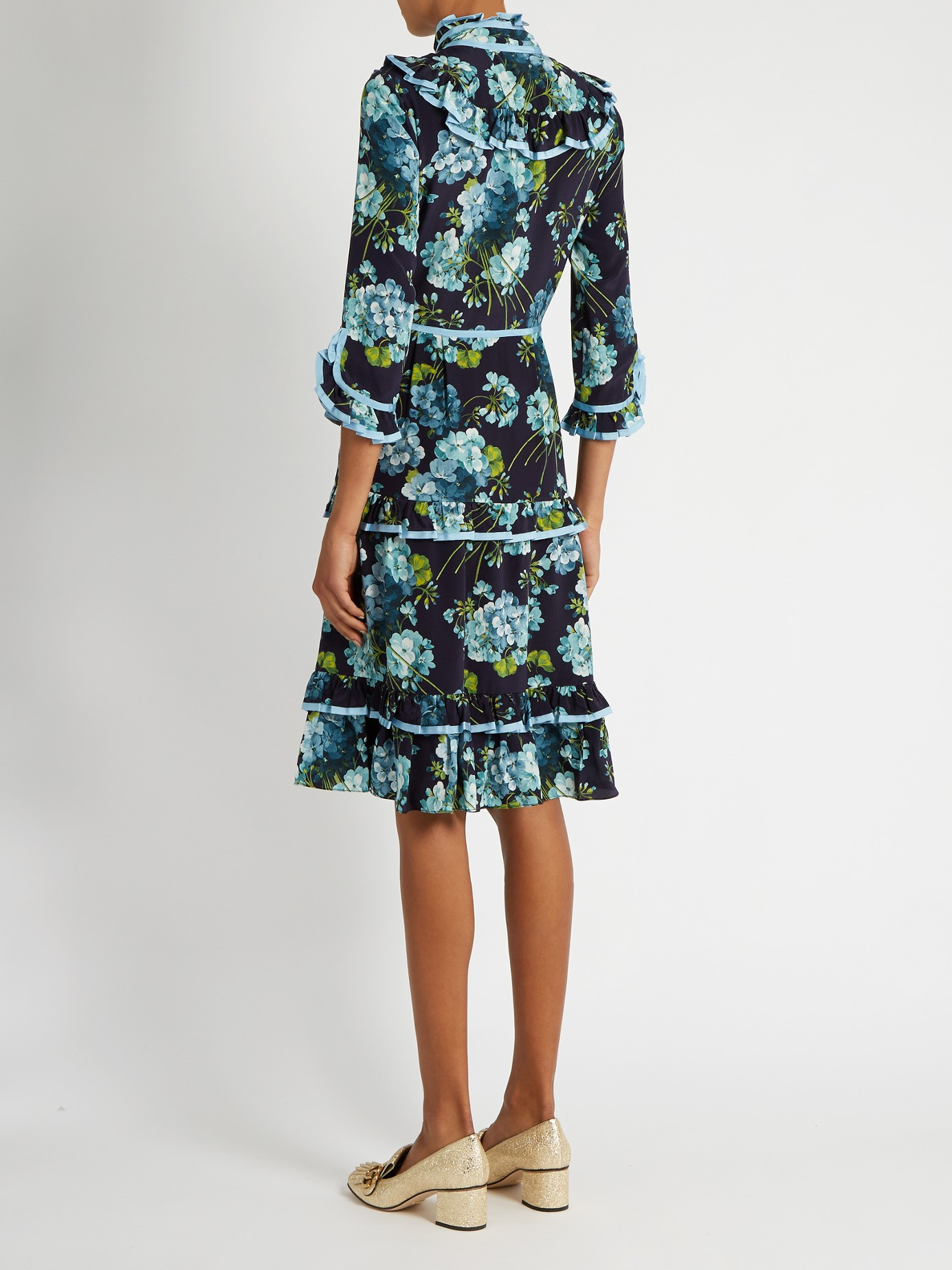 23a7e353437bd5 Gucci Blooms-print Crepe De Chine Dress in Blue - Lyst