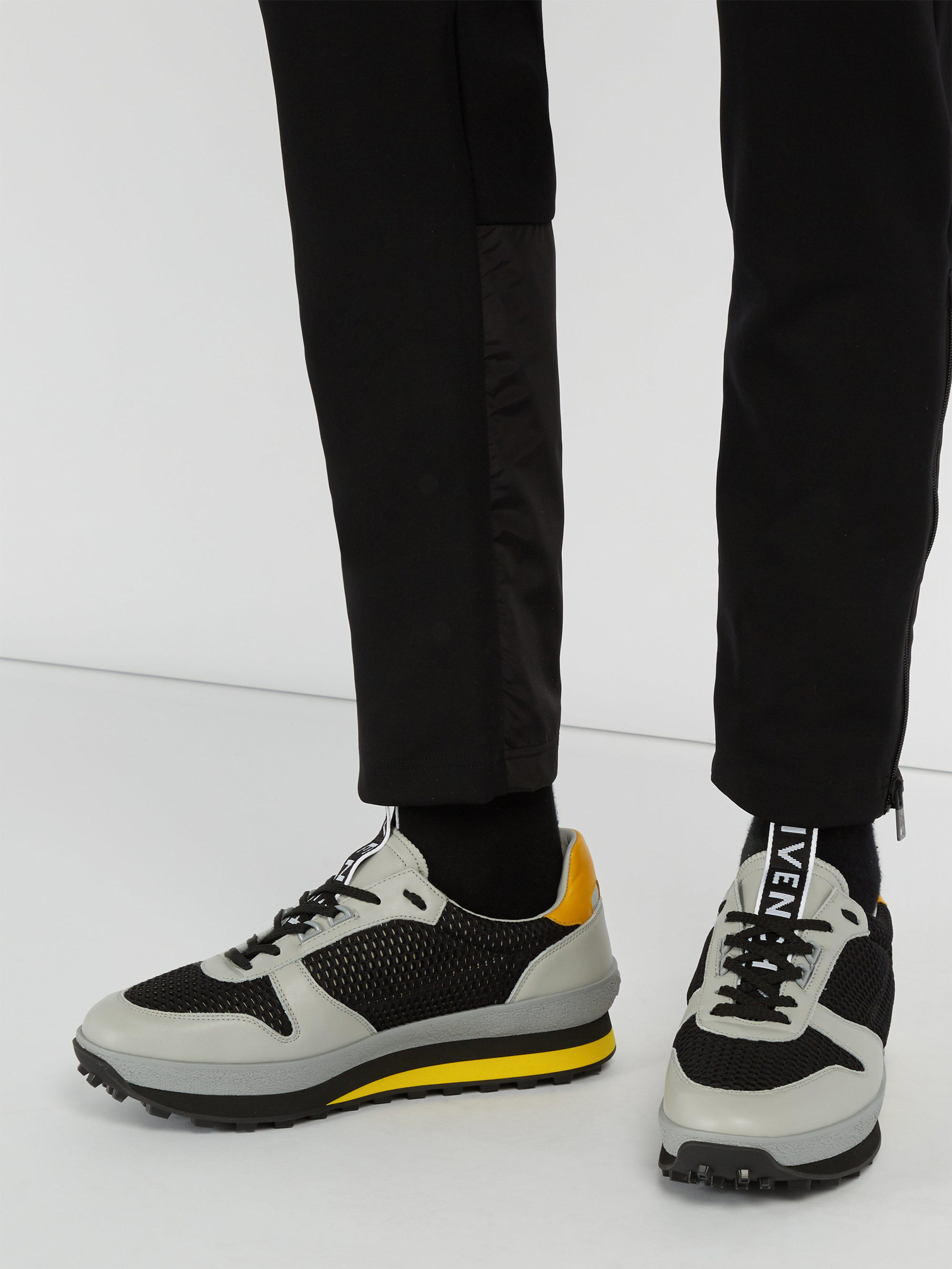 Givenchy Leather Tr3 Runner Low-top Trainers in Black for Men