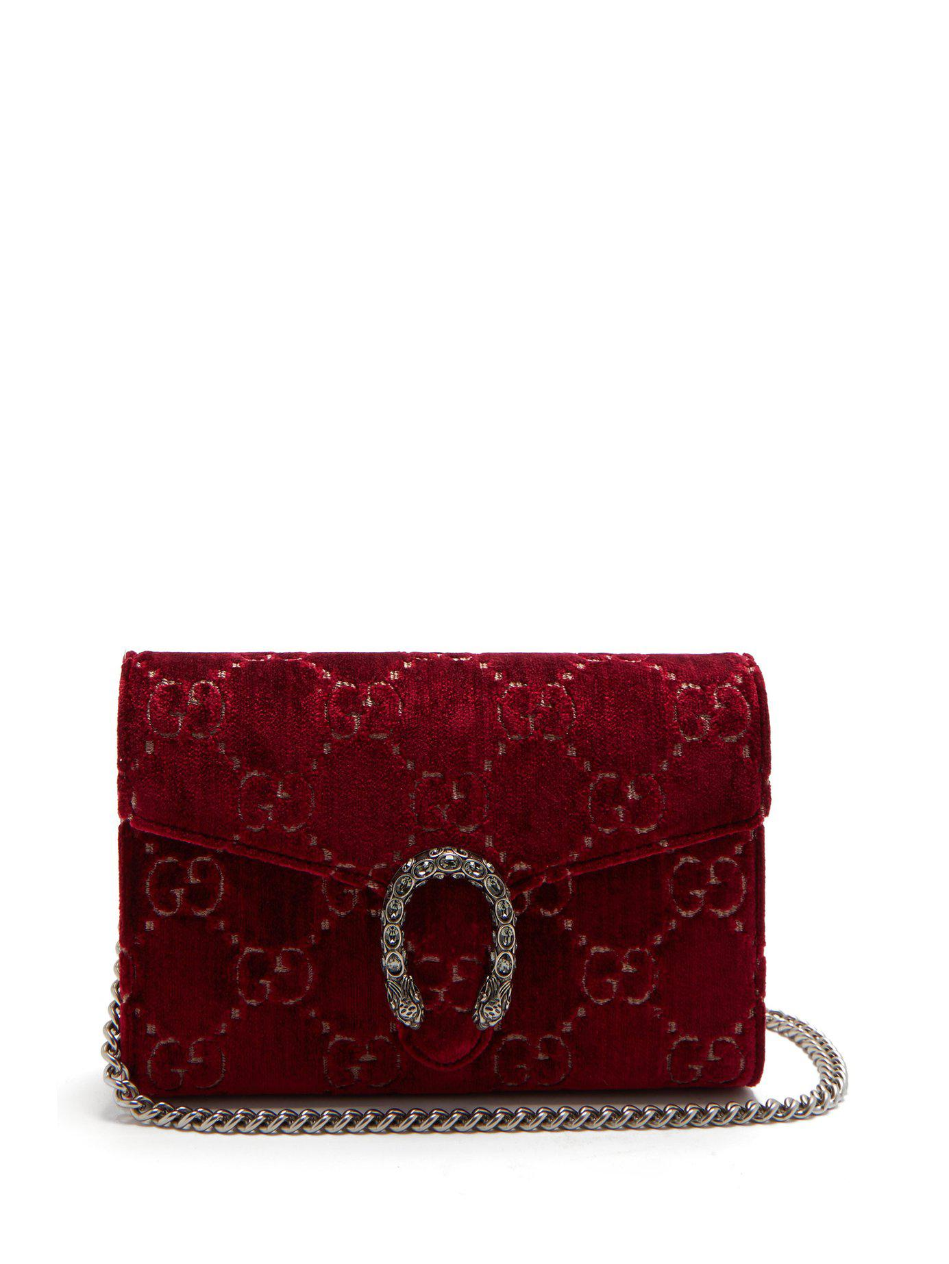 a5b11746cbaa Lyst - Sac porté épaule en velours Dionysus Gucci en coloris Rouge