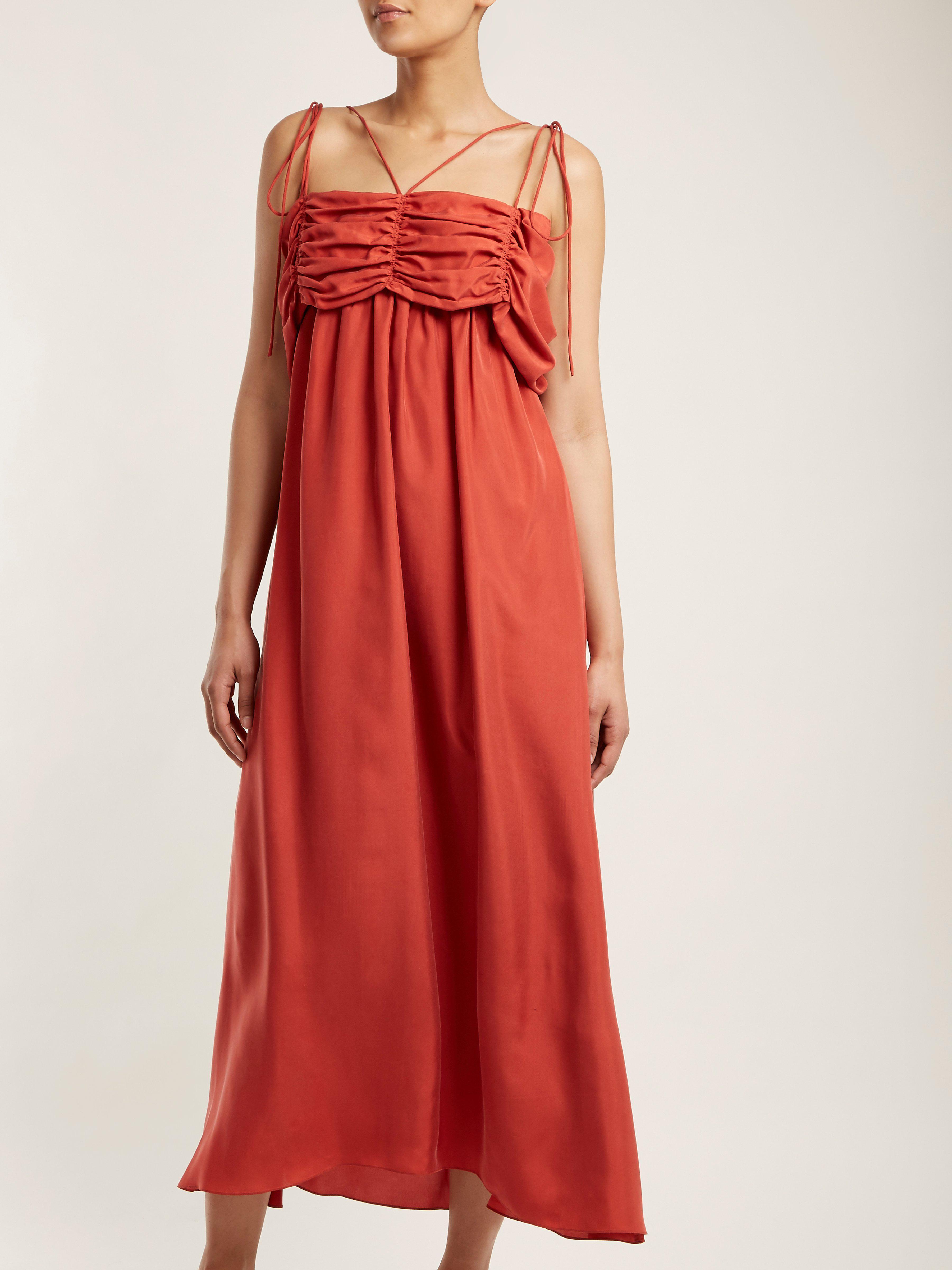Robe en soie à col carré et fronces Soie Isa Arfen en coloris Rouge