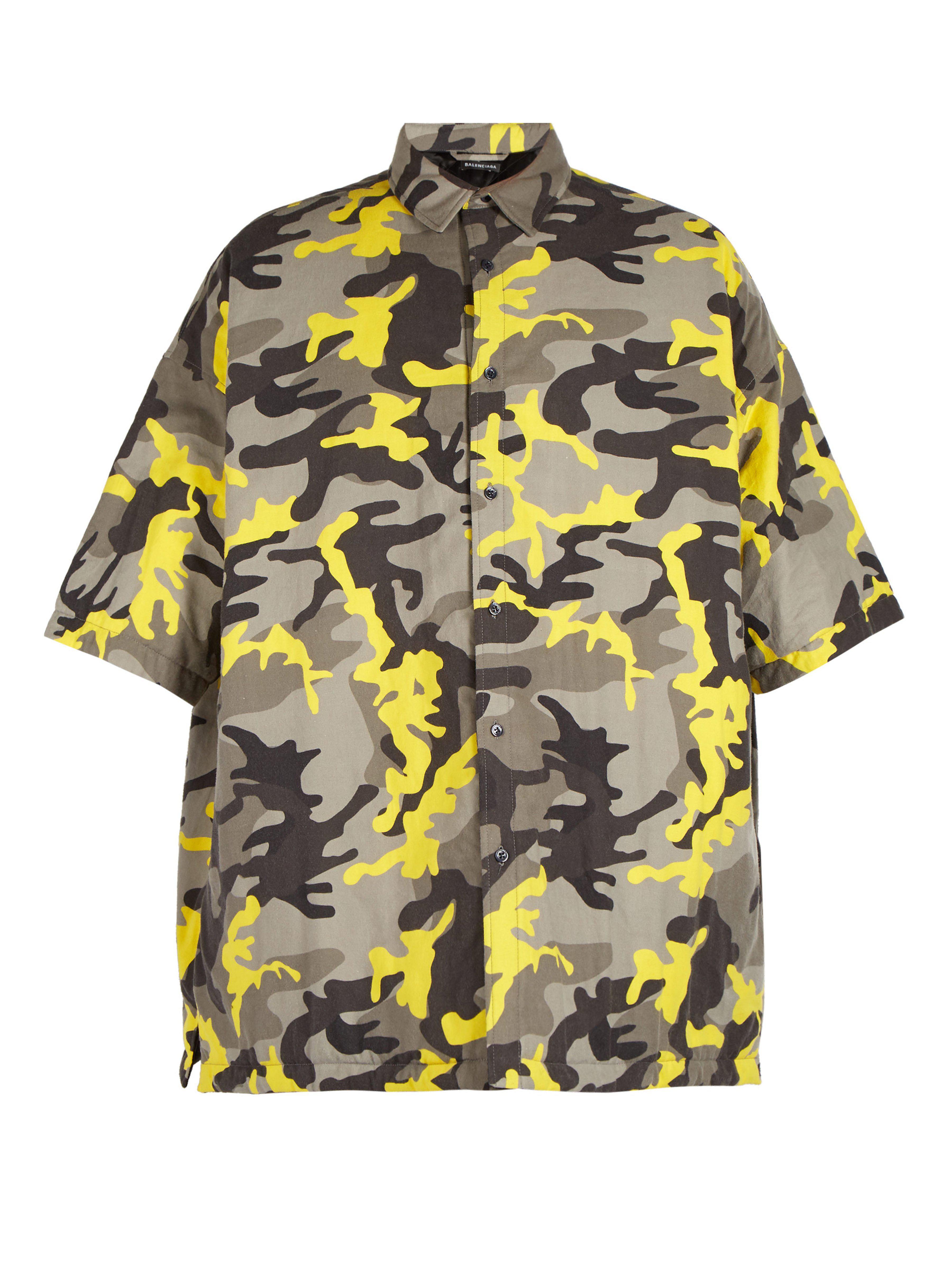 Lyst - Chemise matelassée à imprimé camouflage Balenciaga pour homme ... d85a643e6d1