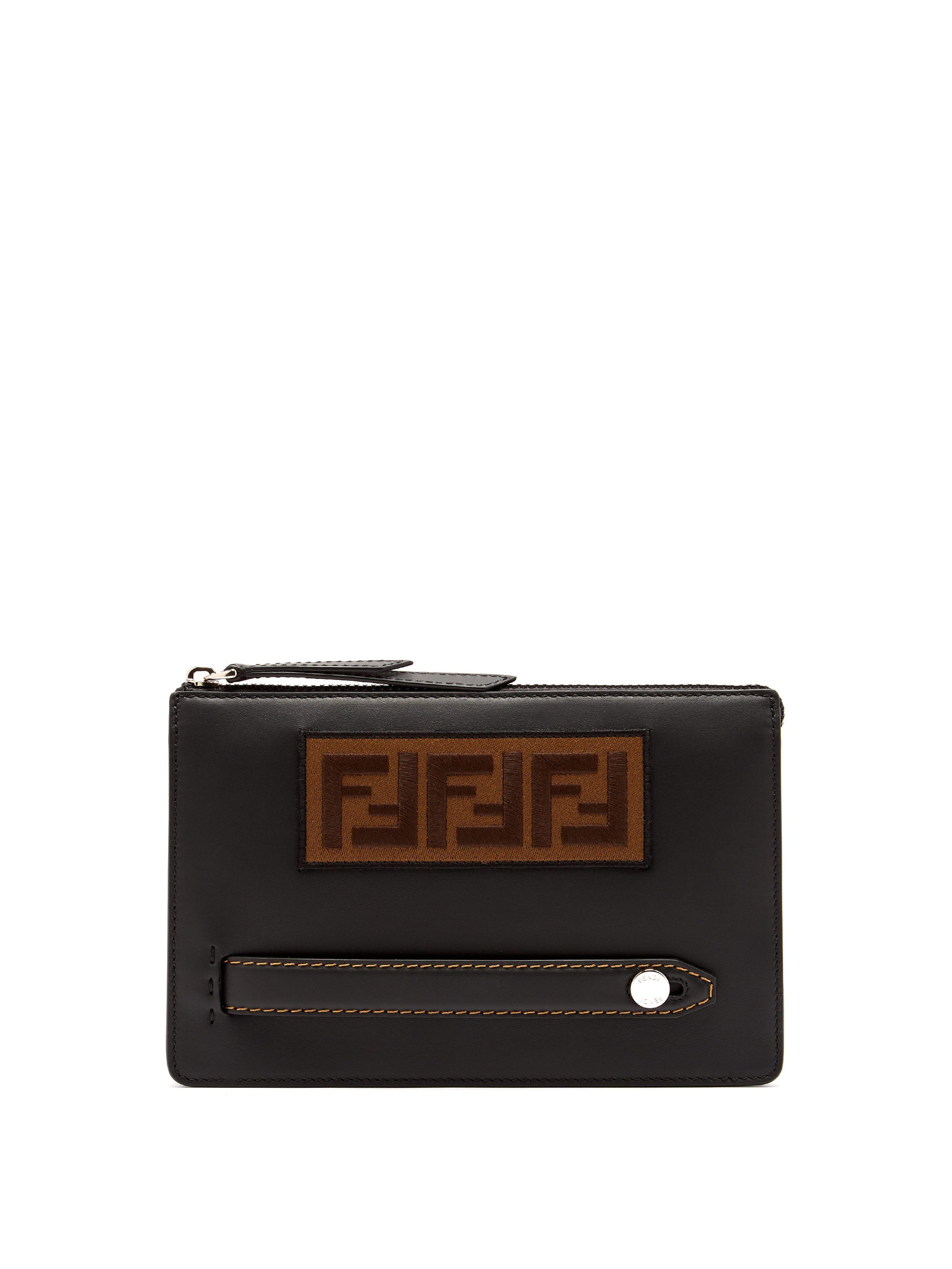 a0b9eb28bd1 Lyst - Pochette en cuir à logo Fendi pour homme en coloris Noir