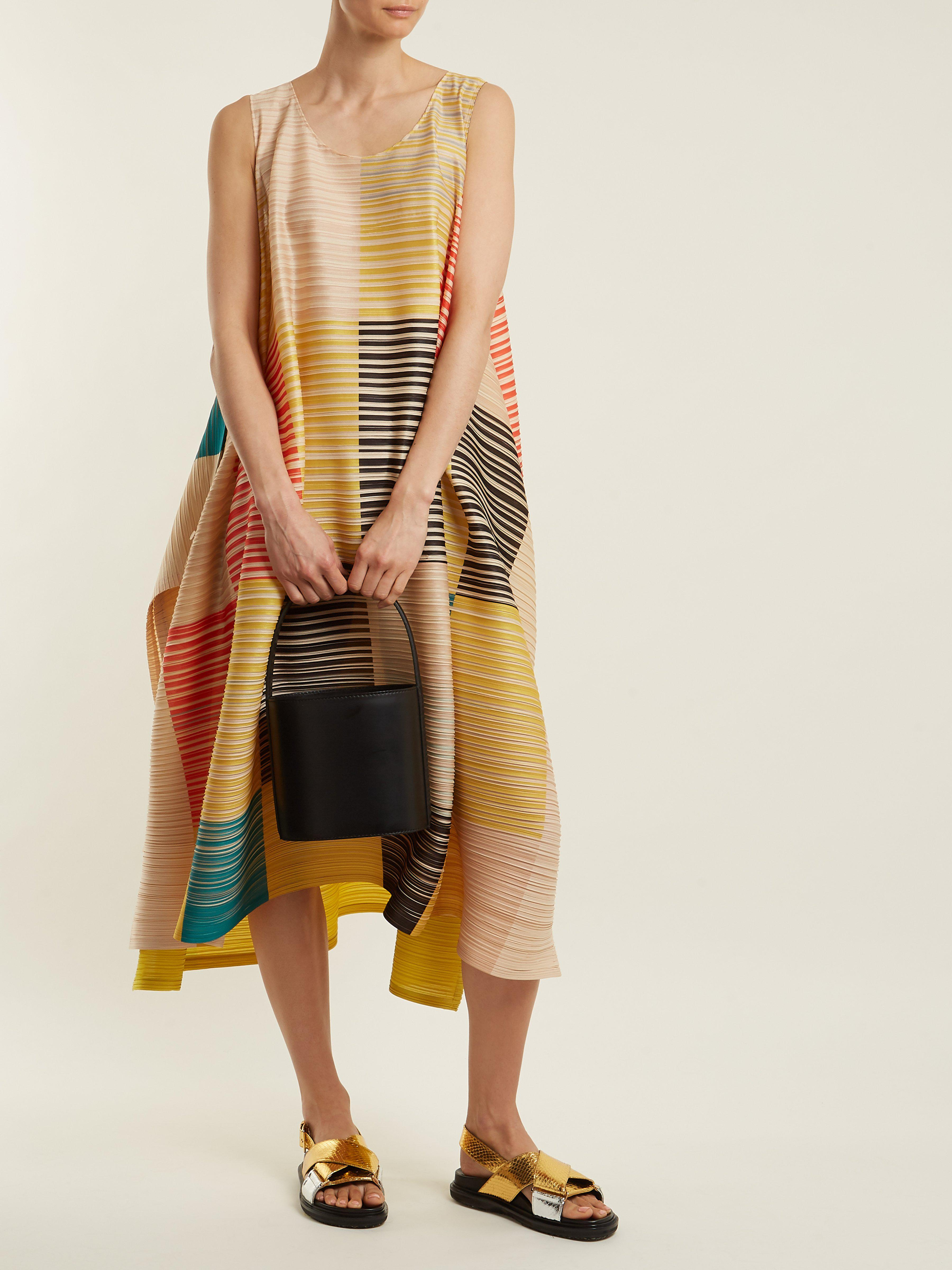 0fcd4f617328 Pleats Please Issey Miyake Pleated Square-print Dress in Yellow - Lyst