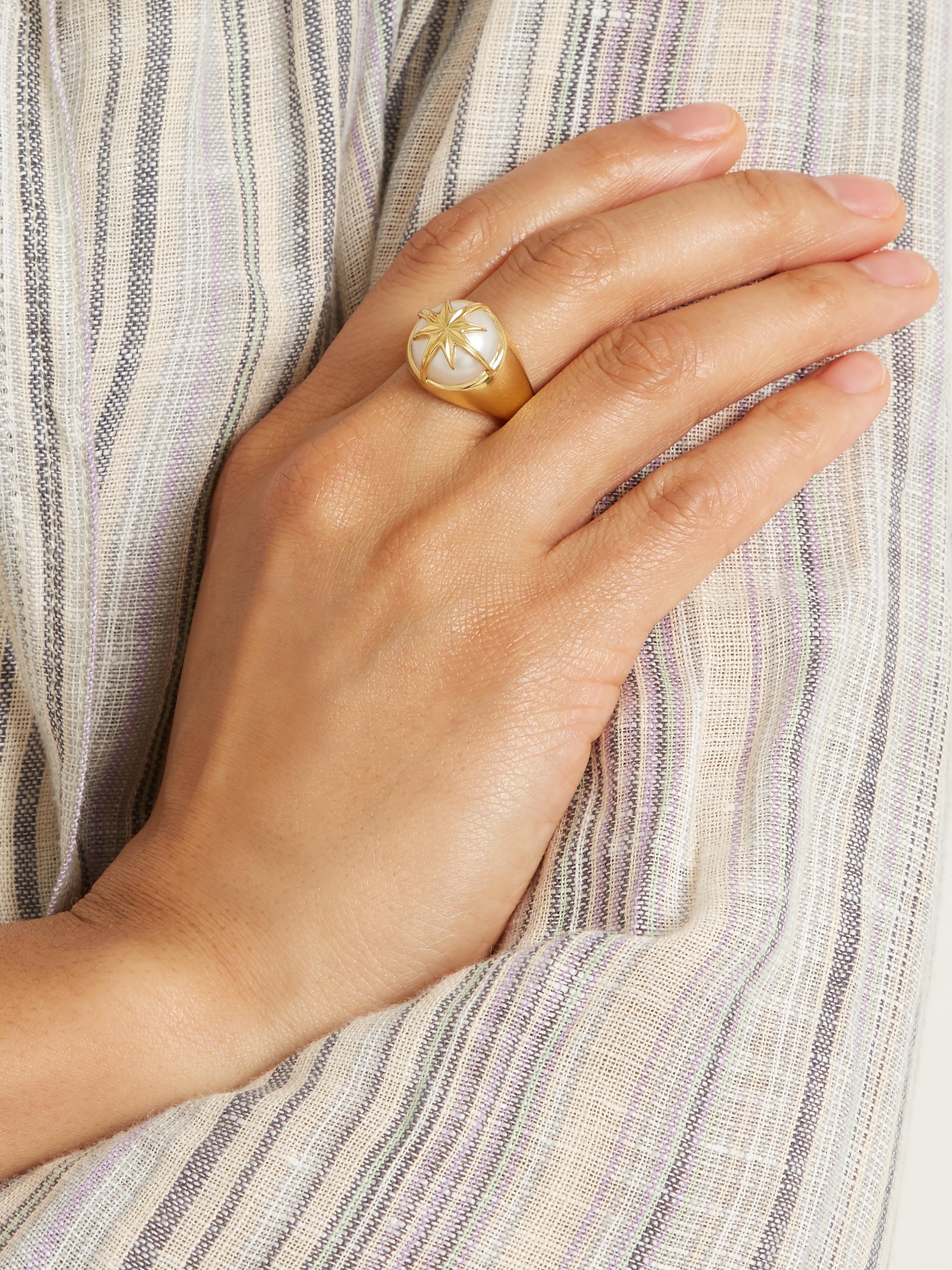 Star-motif pearl and gold-plated ring Theodora Warre lMrplR