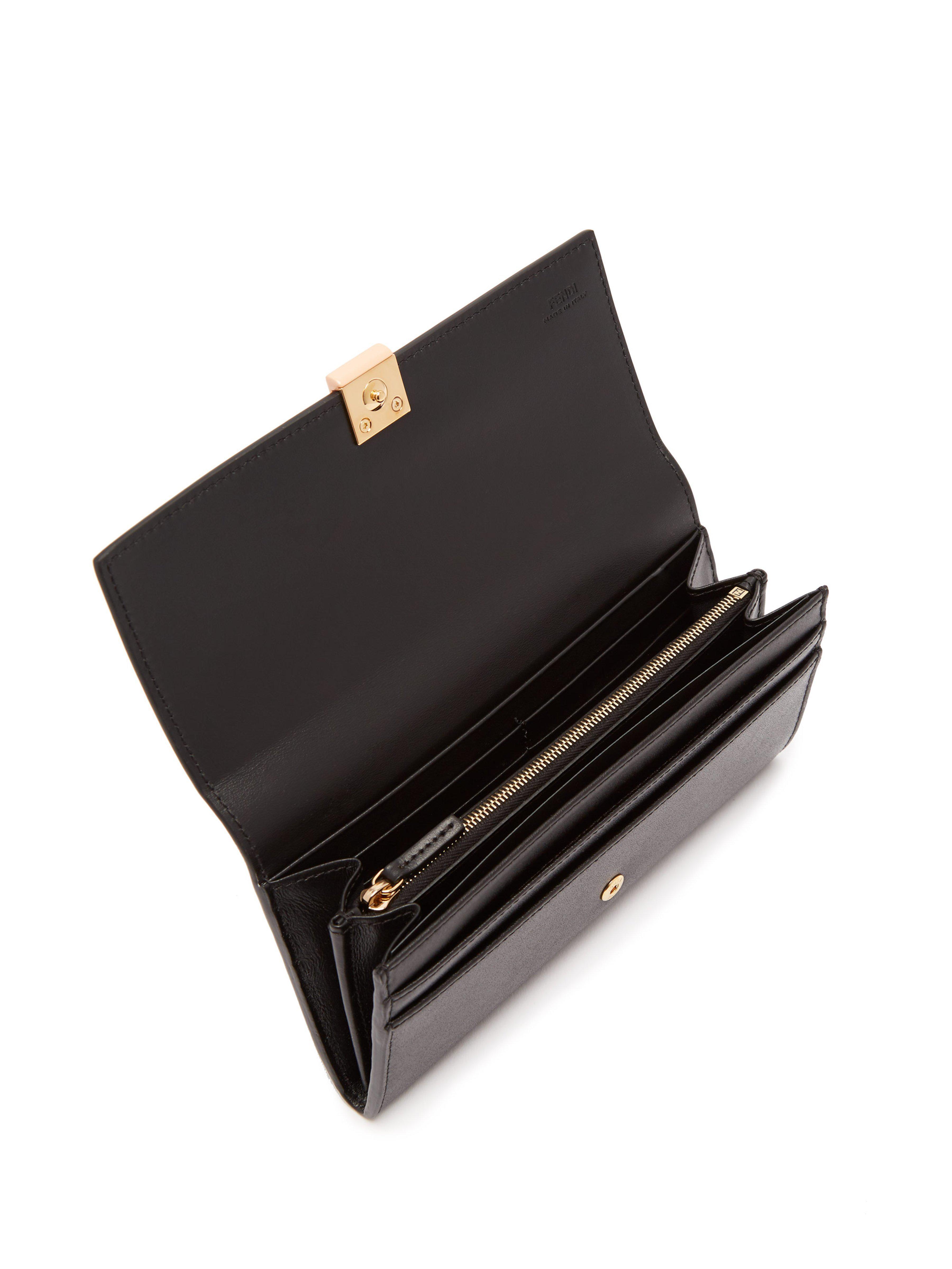 Lyst - Portefeuille à rabat en cuir orné d un clou Fendi en coloris Noir 5f2ef287ec8