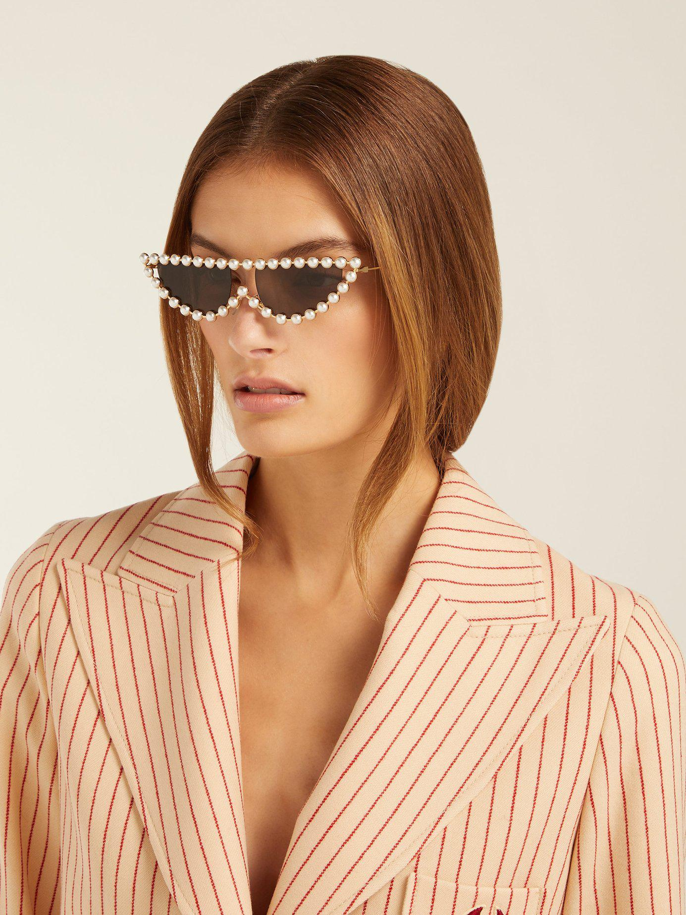 8e7adcd453 Lyst - Gucci Pearl Embellished Cat Eye Sunglasses