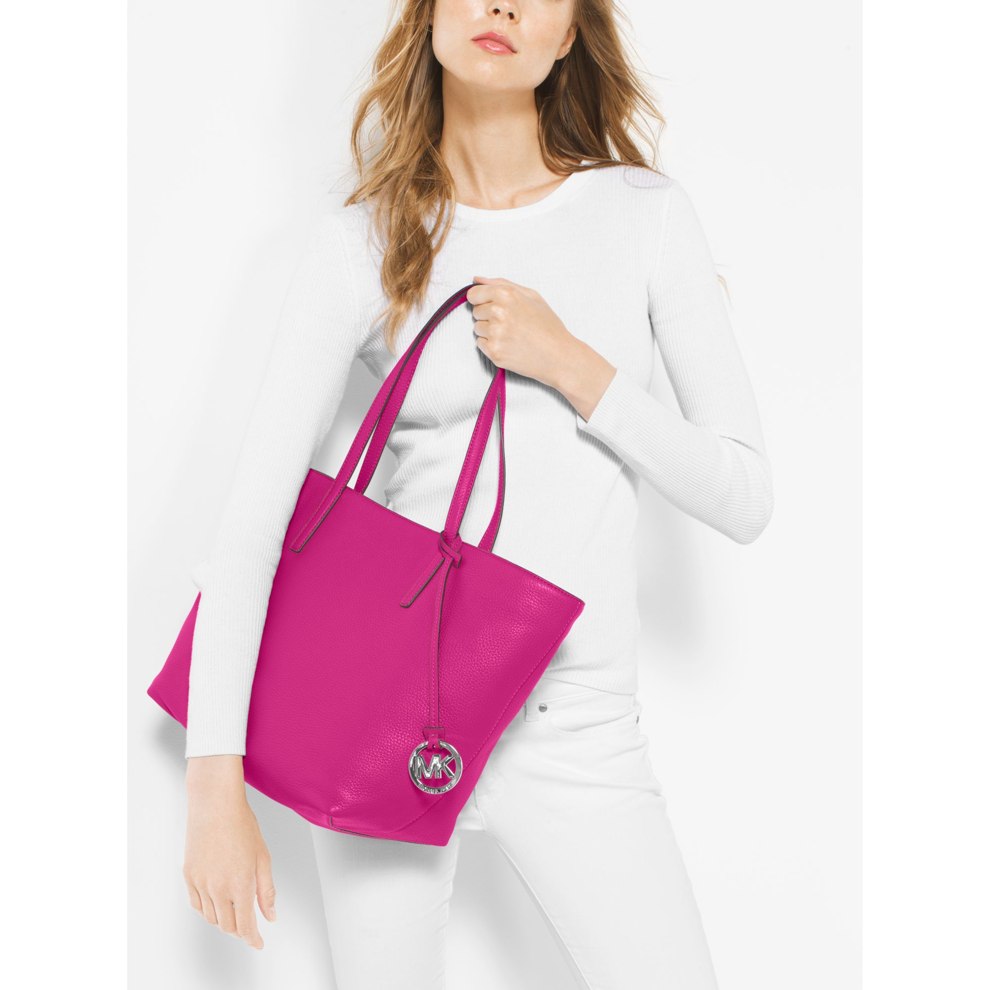d6bede201807 Michael Kors Izzy Large Leather Tote in Pink - Lyst