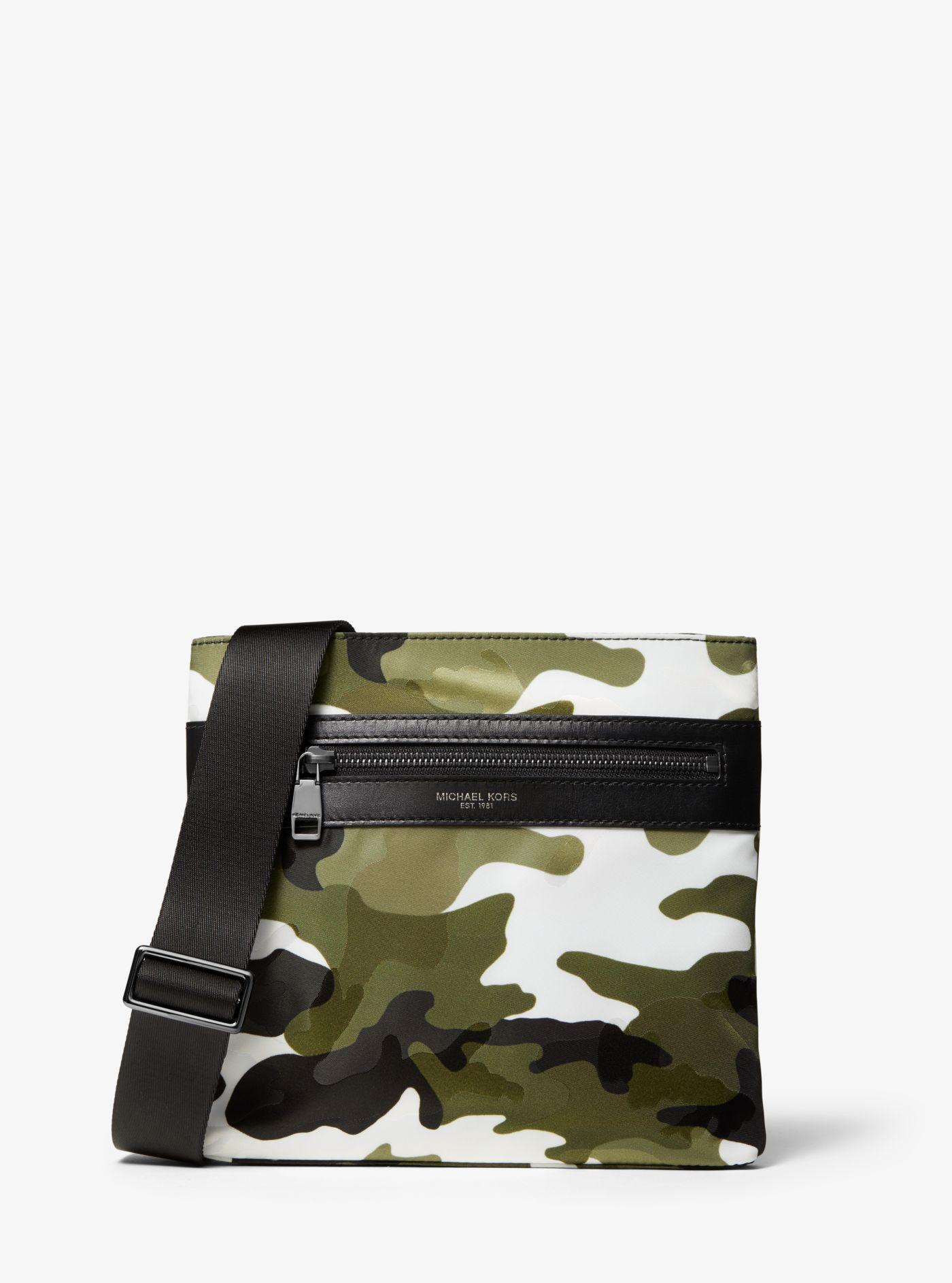 Petit sac à bandoulière Kent en nylon à motif camouflage