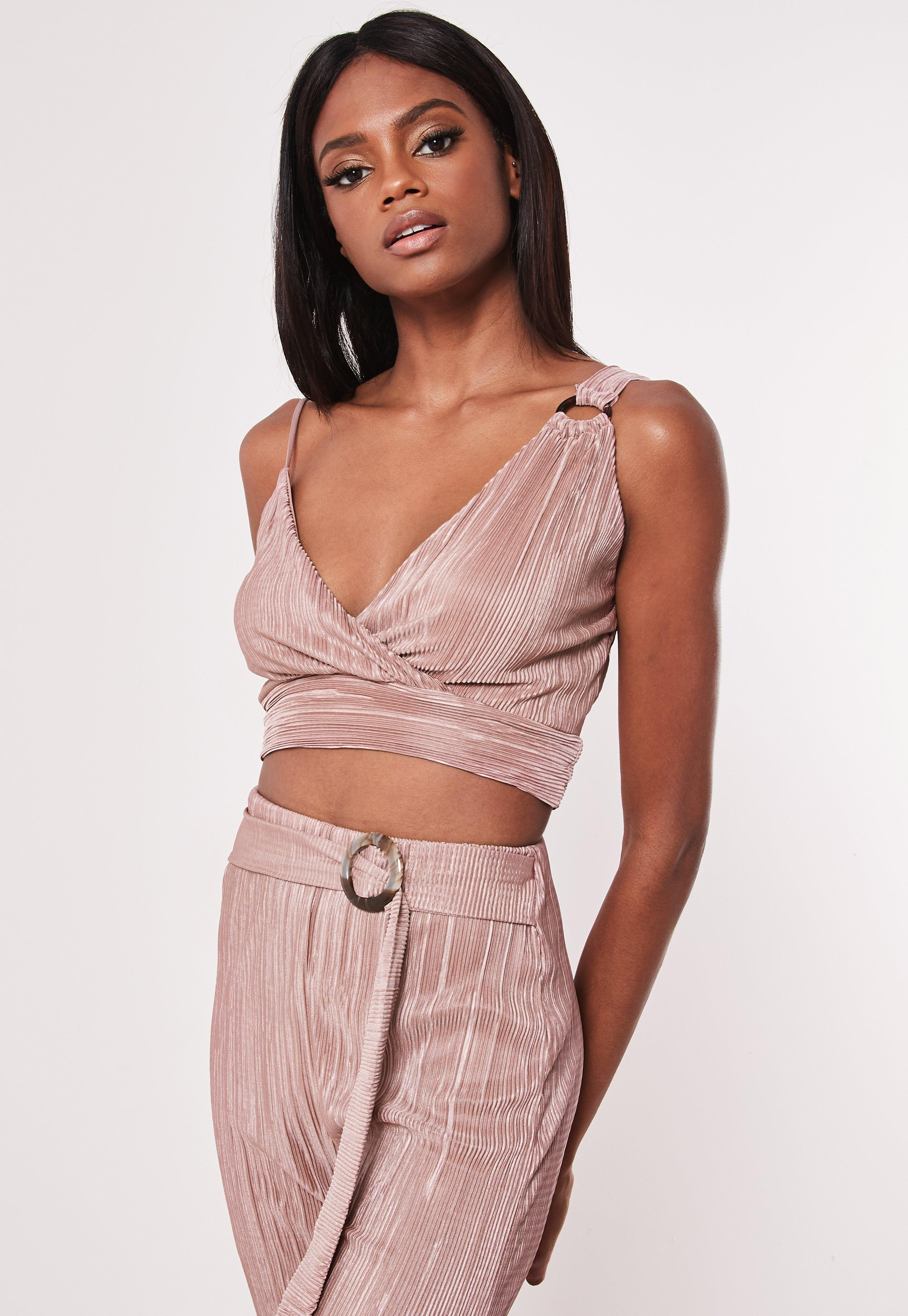c74afeb7422 Lyst - Missguided Rose Plisse Asymmetric Co Ord Bralet in Pink
