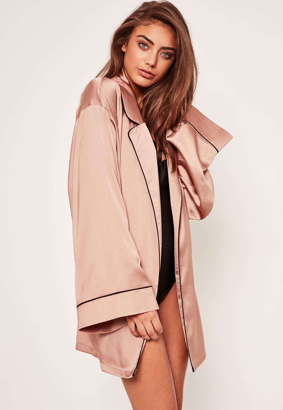 Lyst - Missguided Pink Slogan Contrast Piping Silk Robe in Pink 72d56f92b