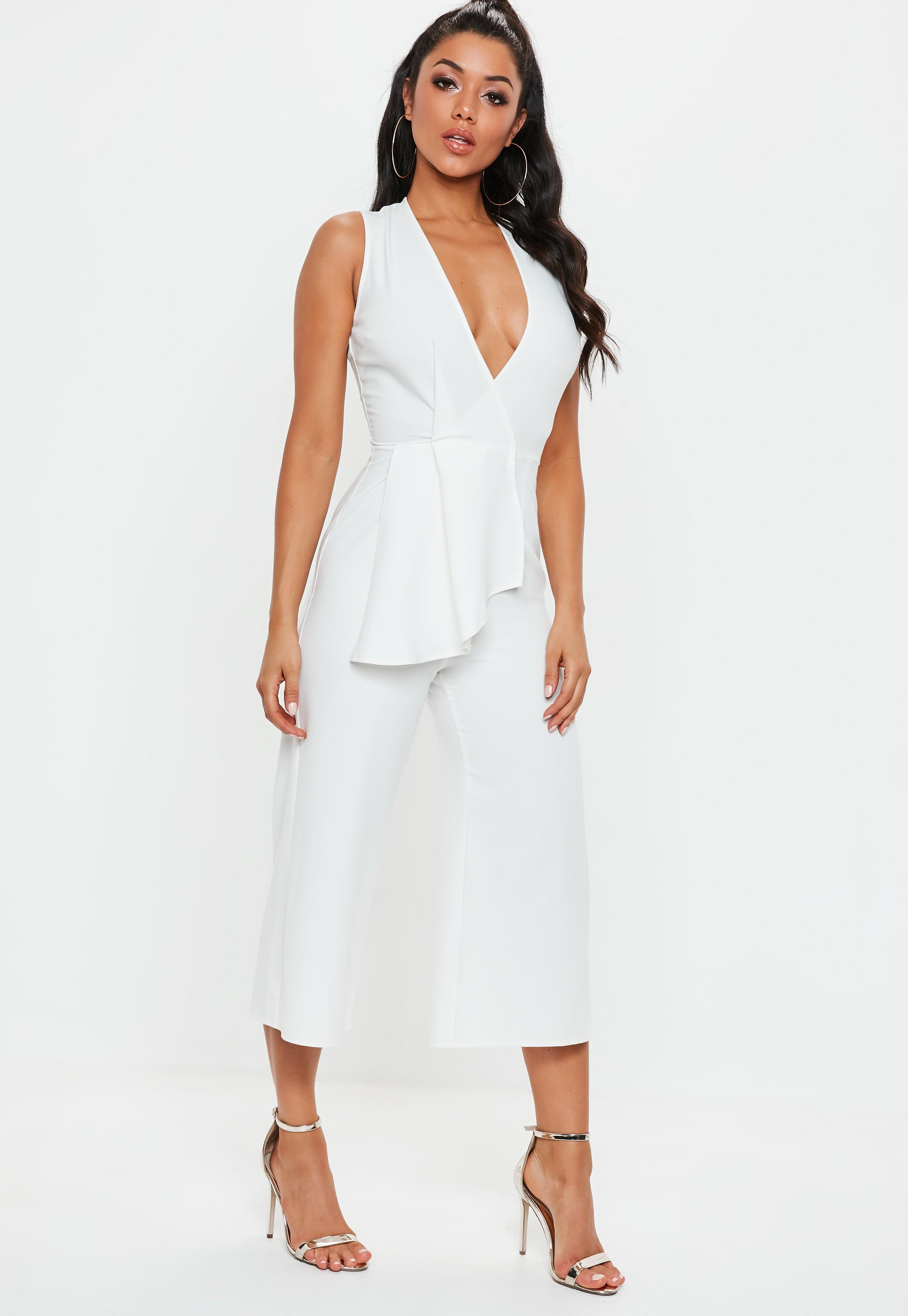 eccf34ae9bb Lyst - Missguided White Plunge Front Culotte Jumpsuit in White