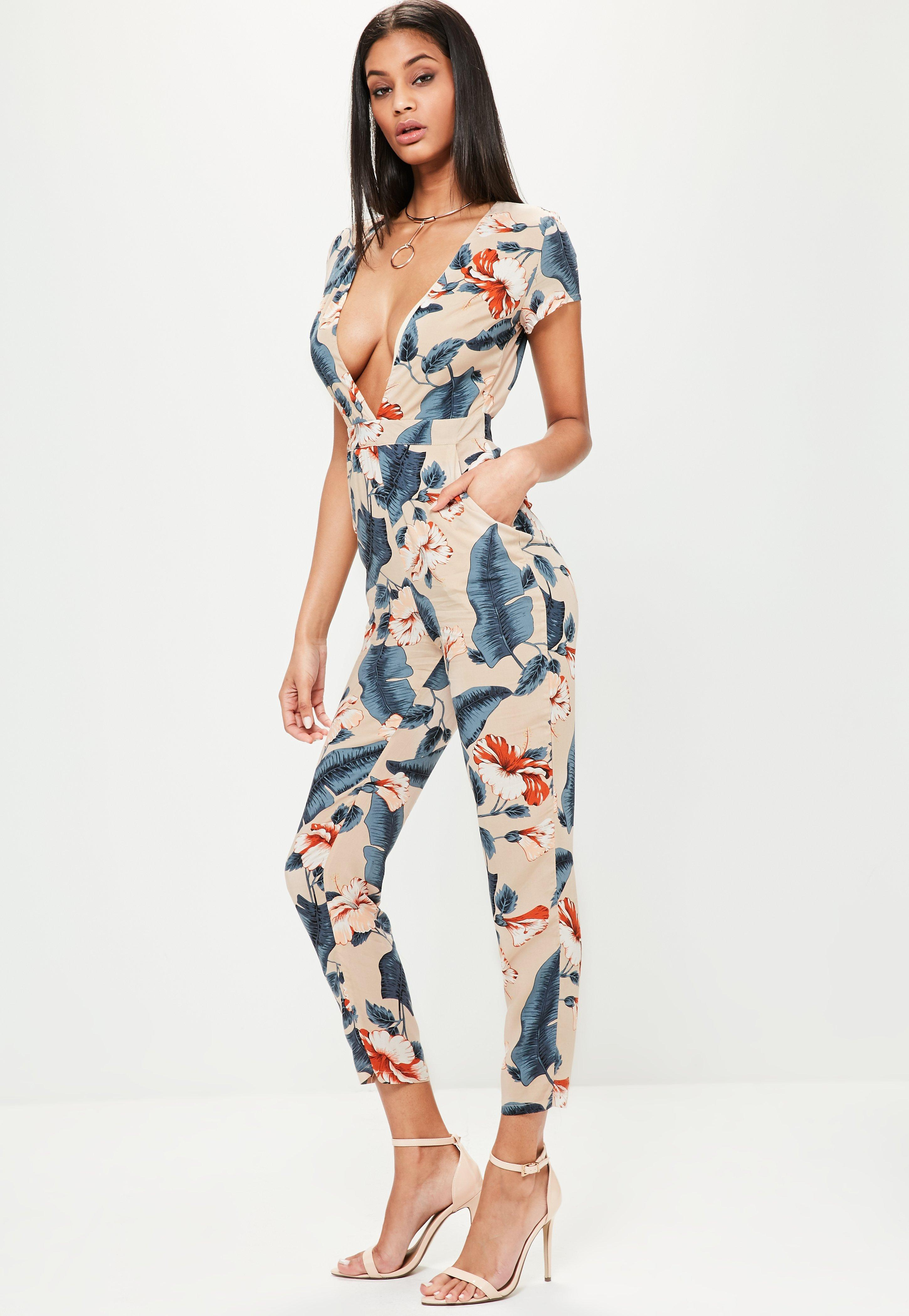 Missguided Nude Tropical Floral Print Plunge Jumpsuit - Lyst