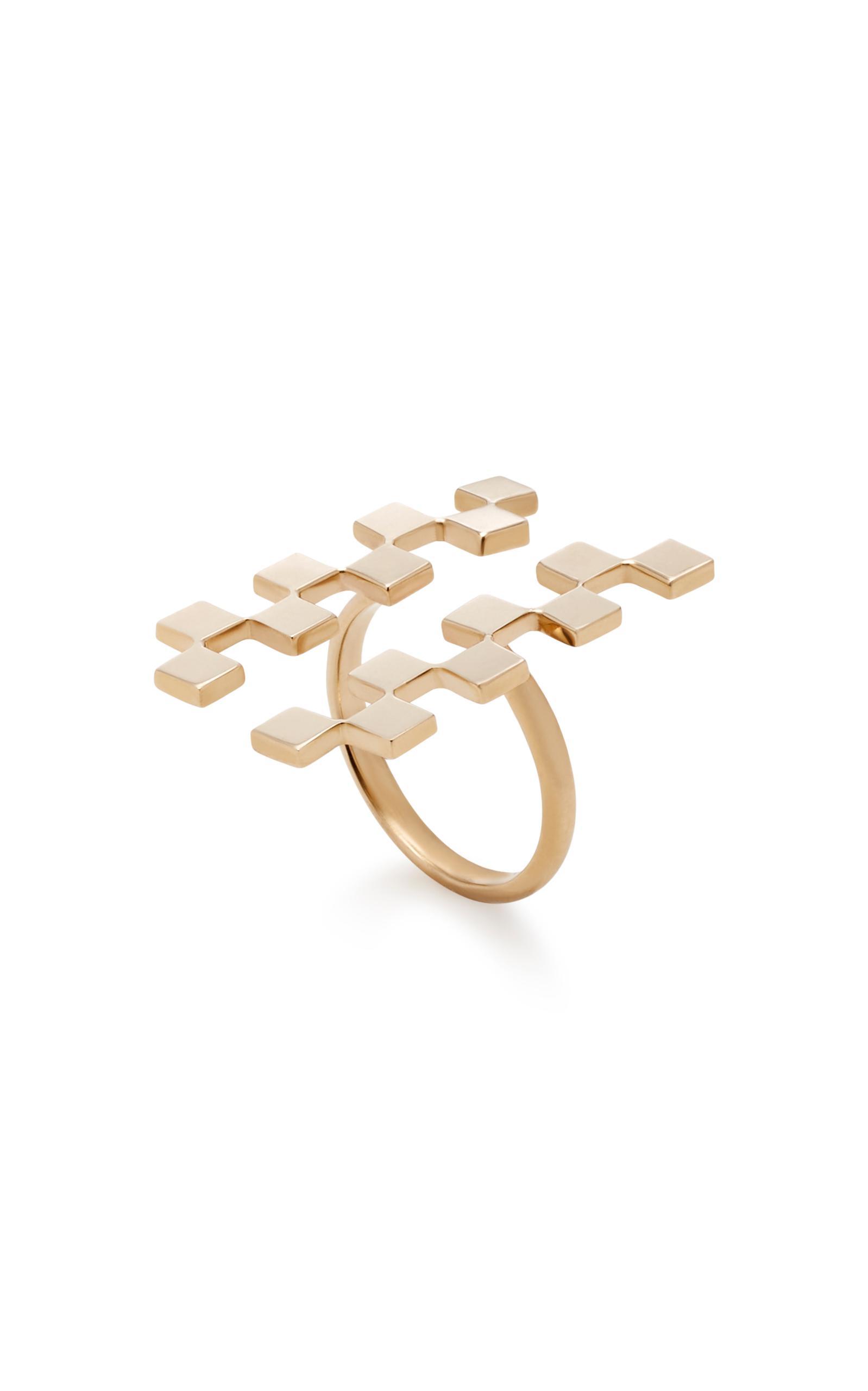 Established Long Checker 18k Gold Ring in Metallic