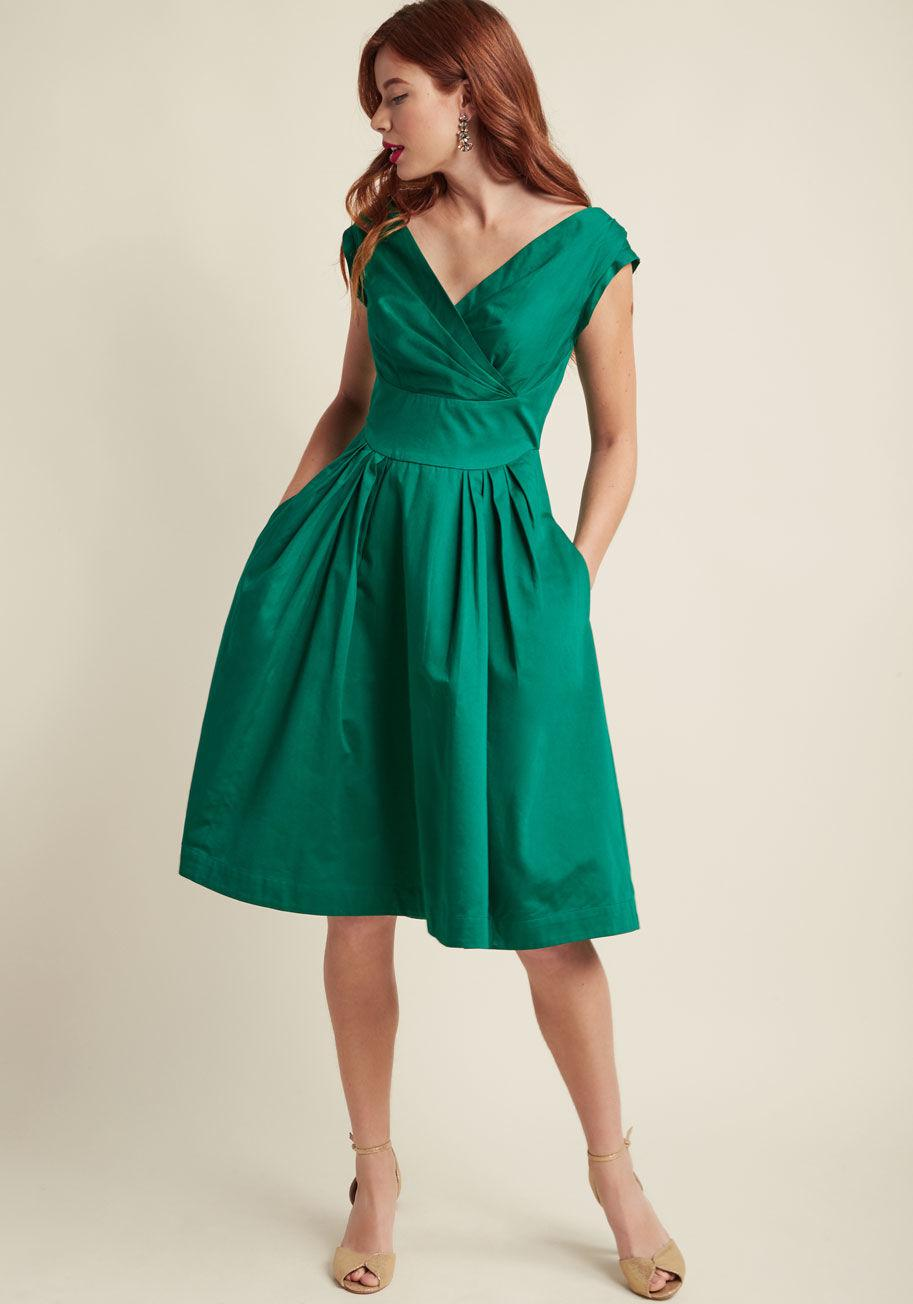 Lyst - Emily And Fin Keener Postures Midi Dress In Clover in Green