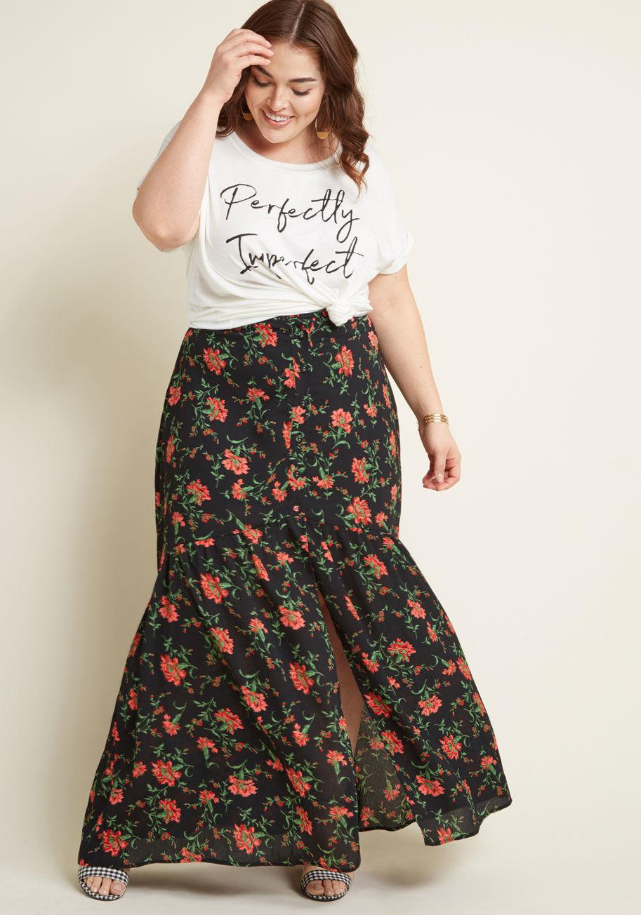 200f317e41df Lyst - Modcloth Emphasis On Effortless Buttoned Maxi Skirt in Black
