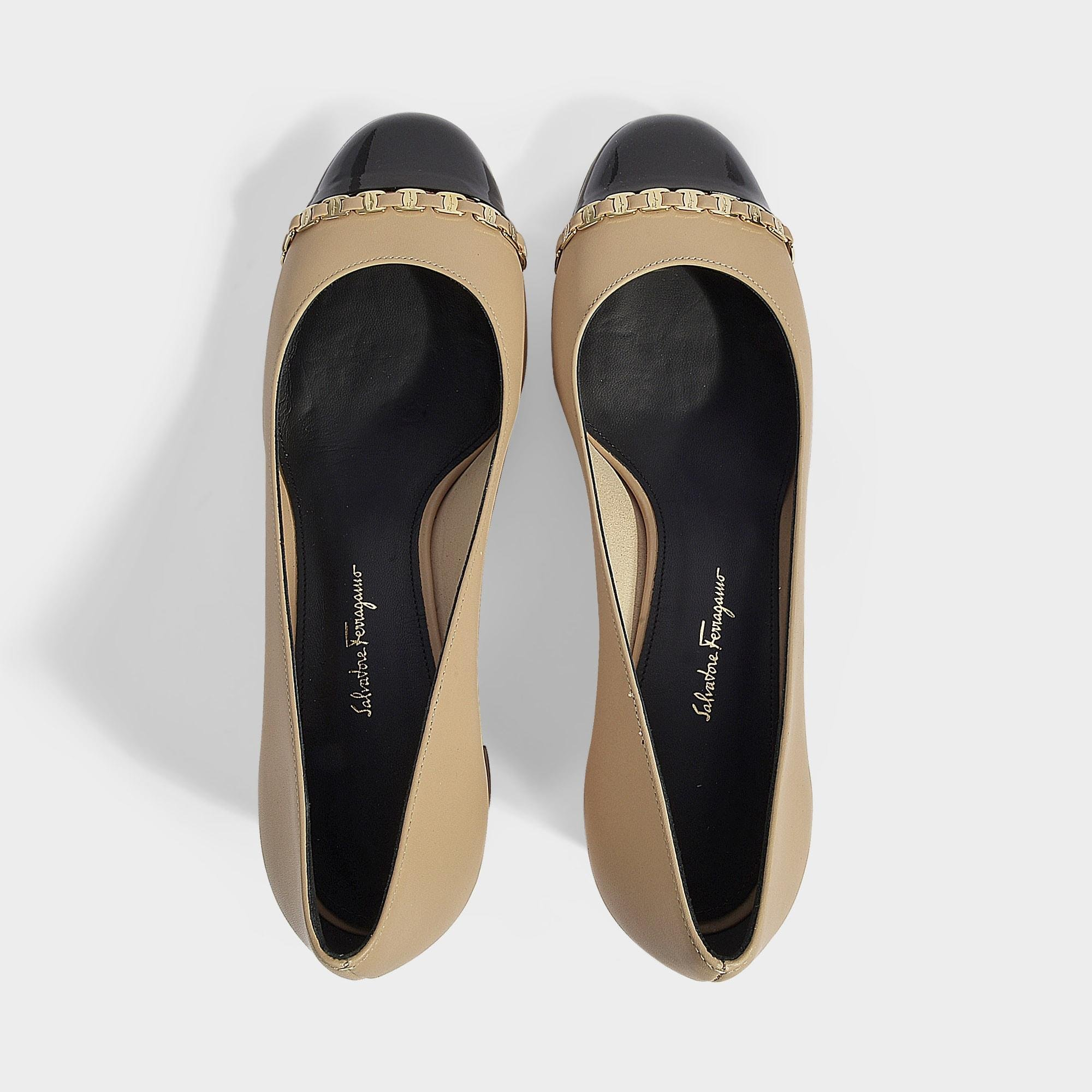 2d960069551 Ferragamo - Natural Avella Pumps With Chain Detail In Beige Nappa Leather -  Lyst. View fullscreen