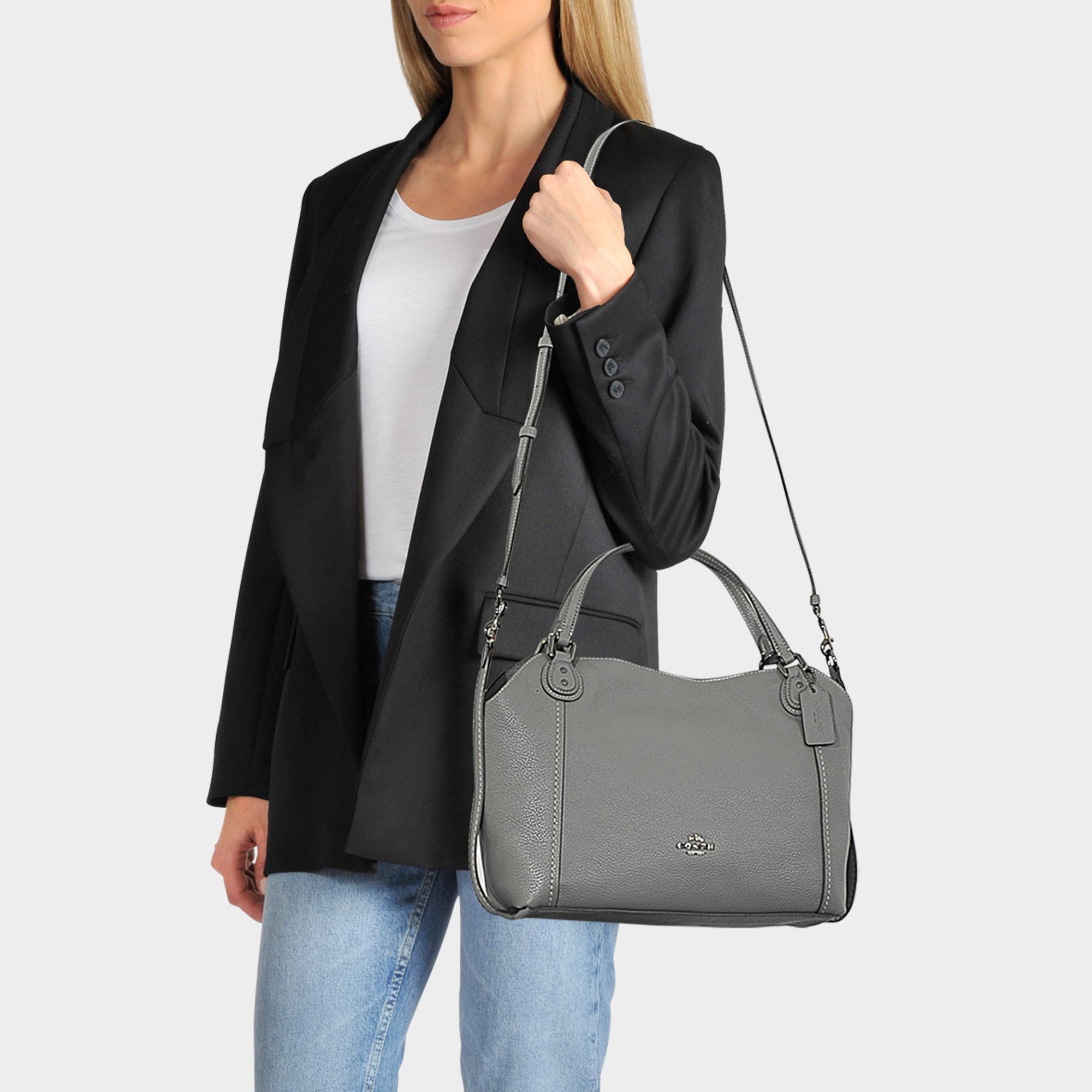 Edie 28 Shoulder Bag In Black Calfskin
