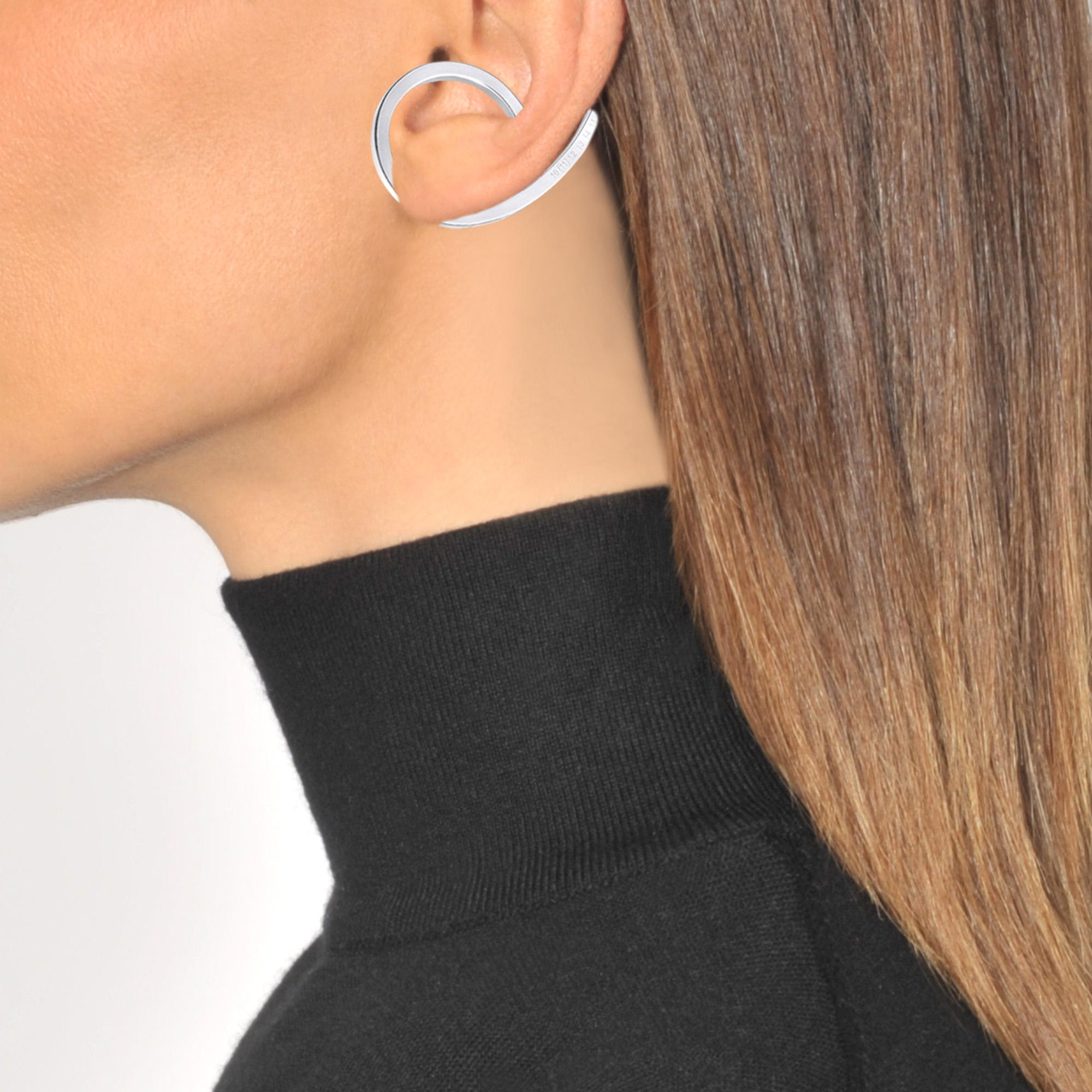Maison Margiela Silver Ear-cuff in Metallic