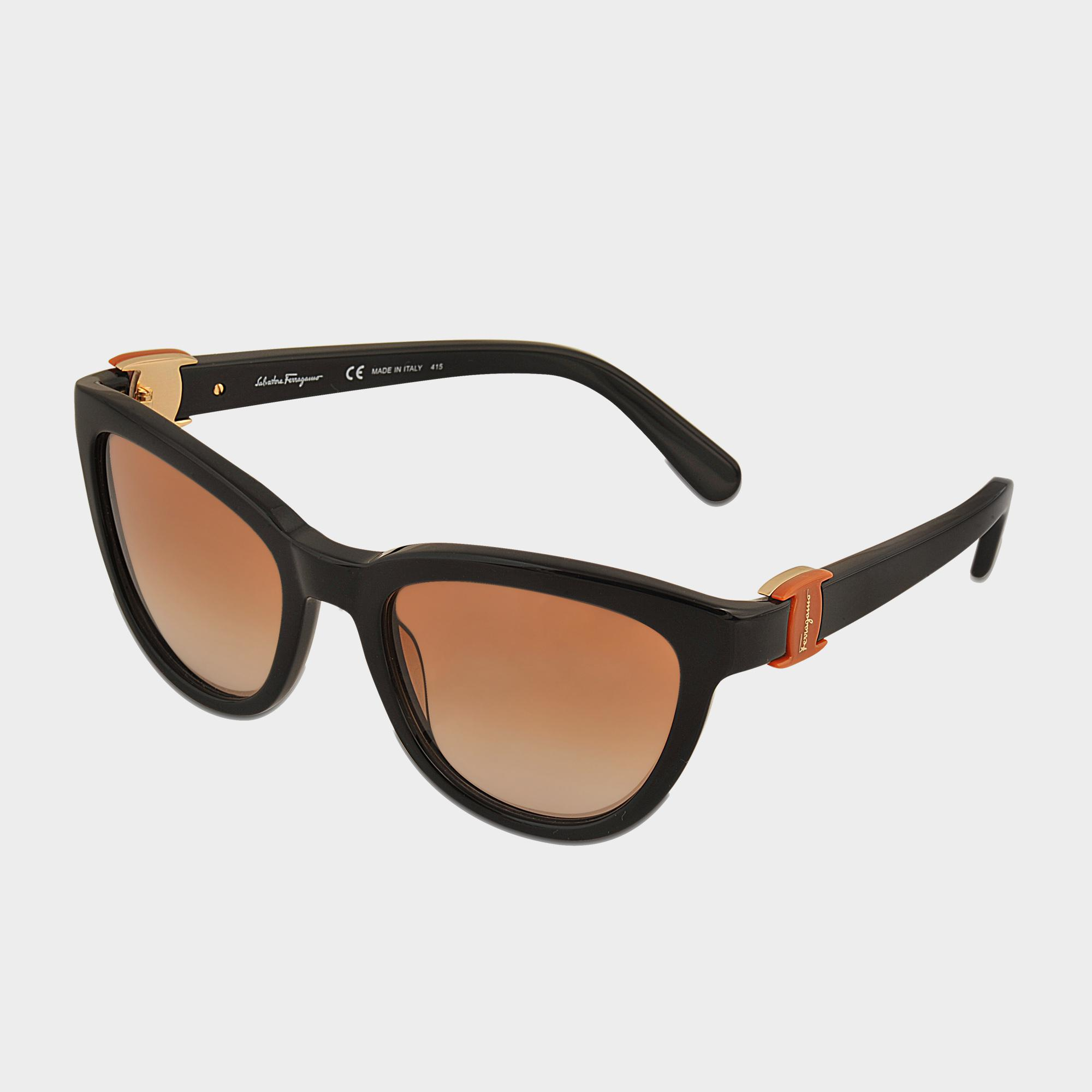 Ferragamo Sf817s Vara Sunglasses in Black