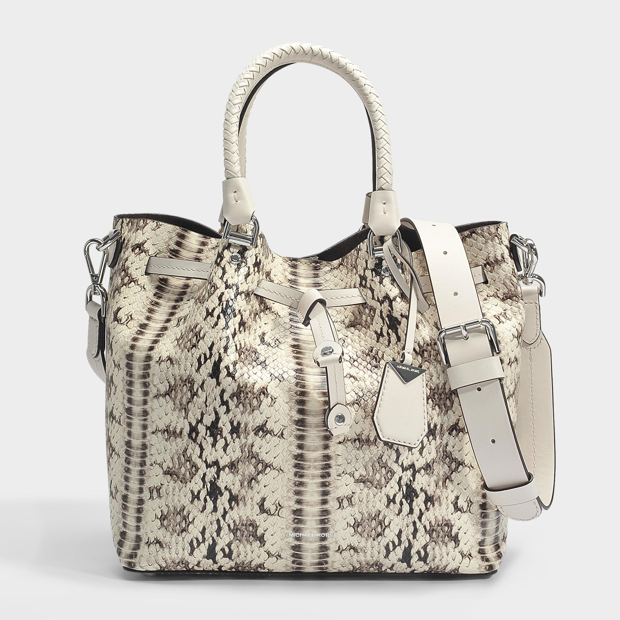 2130cfa1344b7 Lyst - MICHAEL Michael Kors Blakely Medium Bucket Bag In Natural And ...
