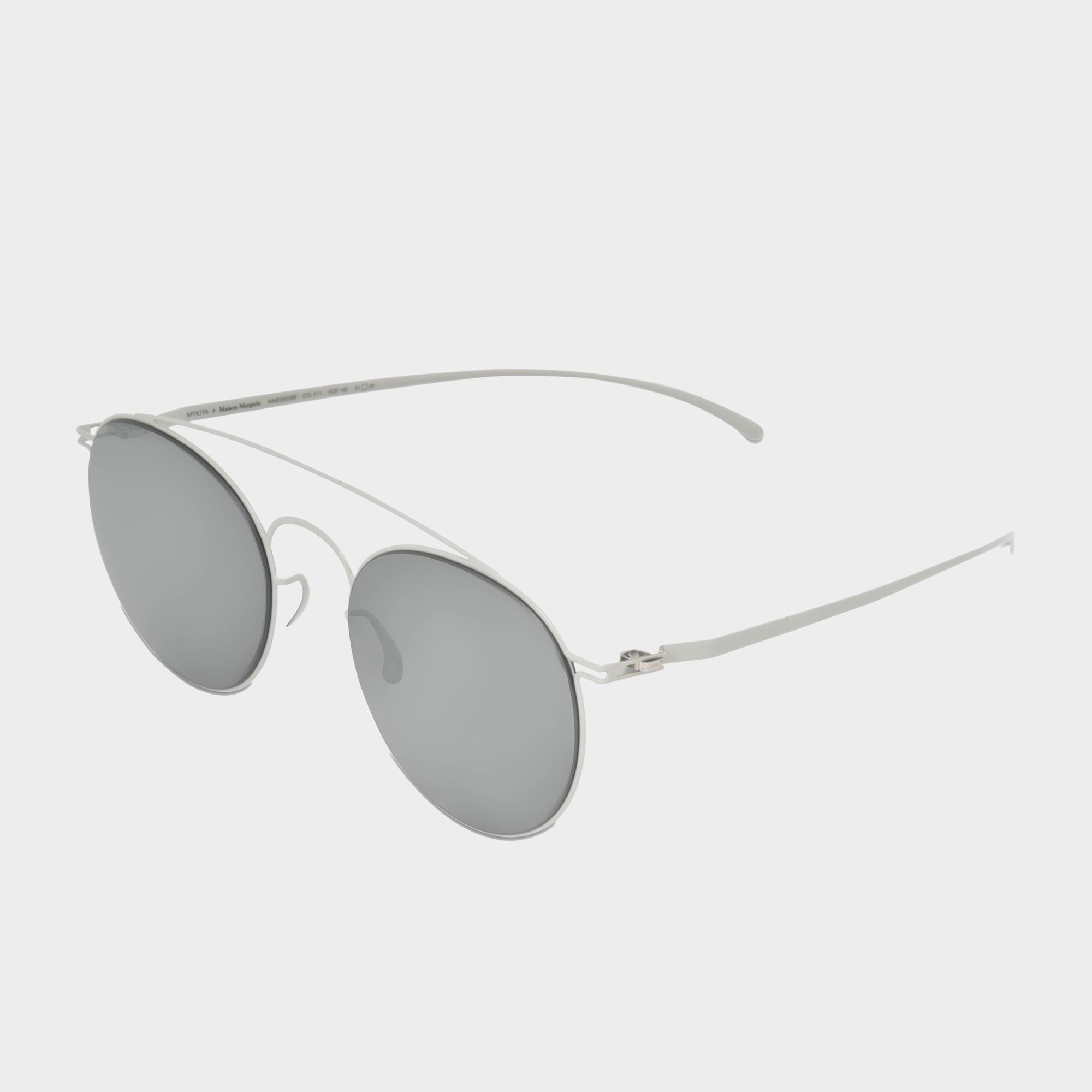 Maison Margiela Mykita & Mmesseoo6 Sunglasses in Grey (Grey)