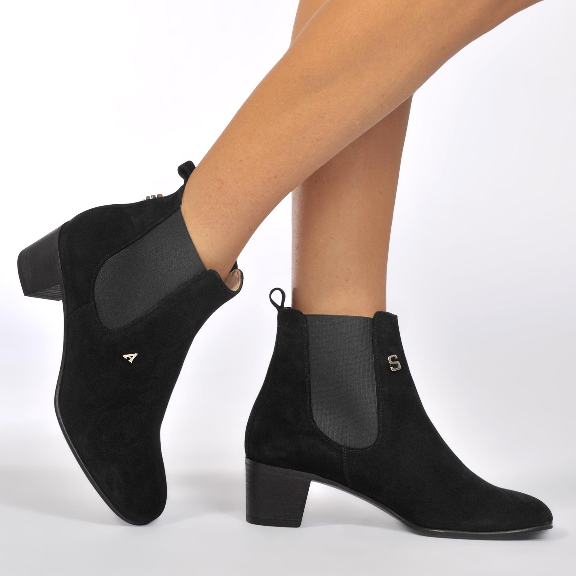cf270532a12 Acne Studios Hely Suede Ankle Boots in Black - Lyst