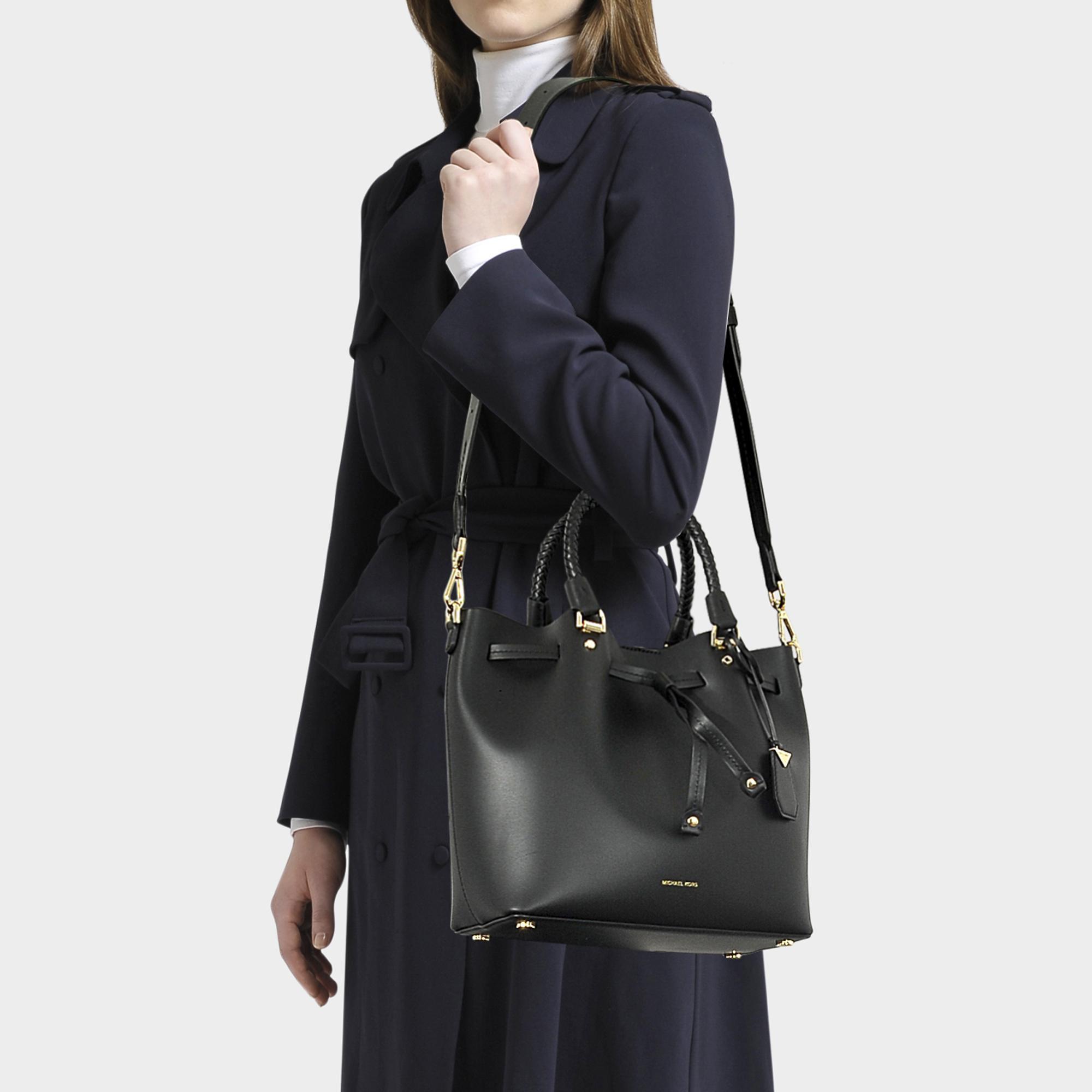 Blakely Medium Bucket Bag In Black Calfskin