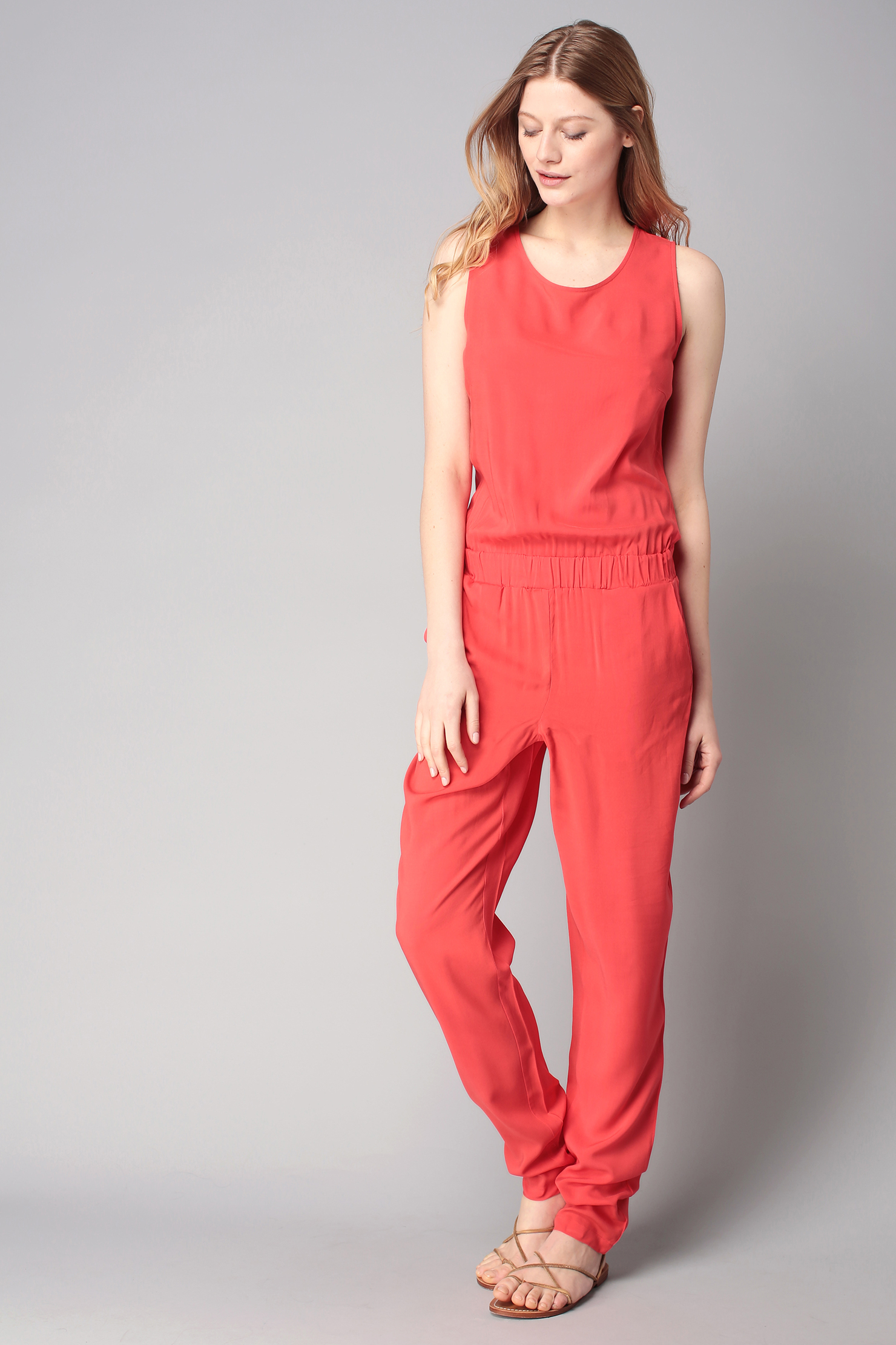 vero moda jumpsuit in red lyst. Black Bedroom Furniture Sets. Home Design Ideas