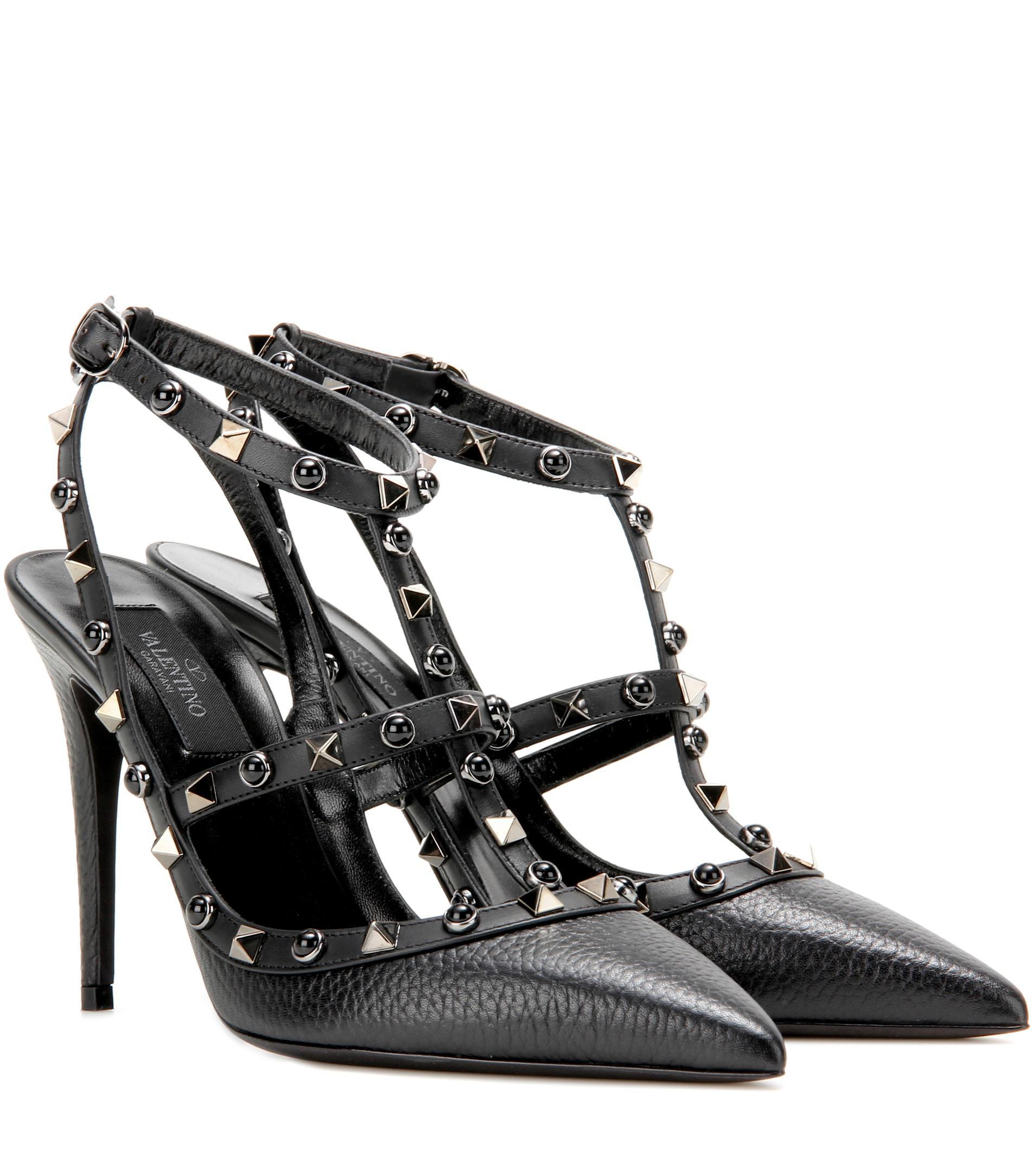 c22c69afbfd5 Valentino Rockstud Rolling Noir Leather Pumps in Black - Lyst