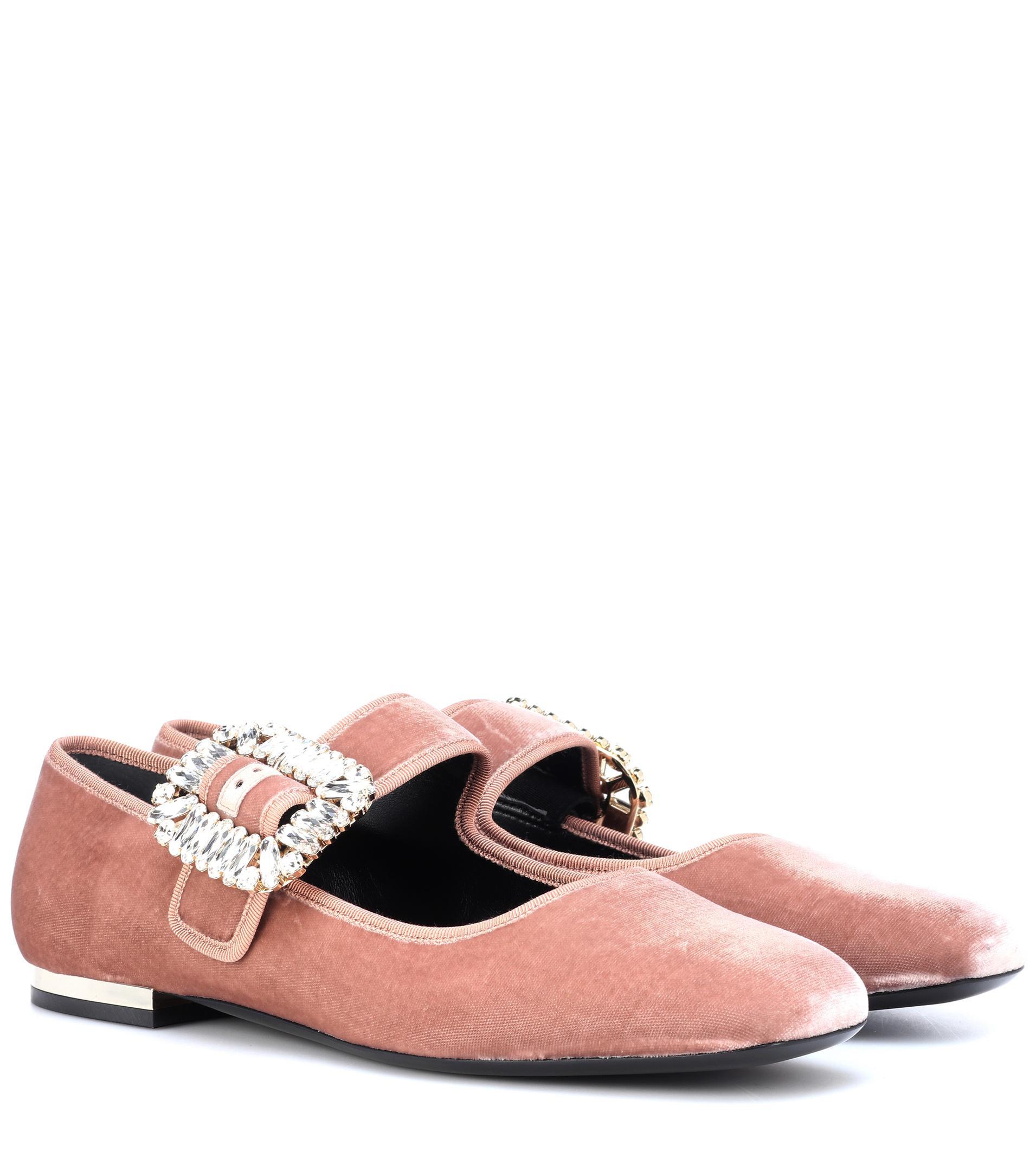 79c49fdacb Roger Vivier Viv Mary Jane Velvet Ballet Flats in Pink - Lyst