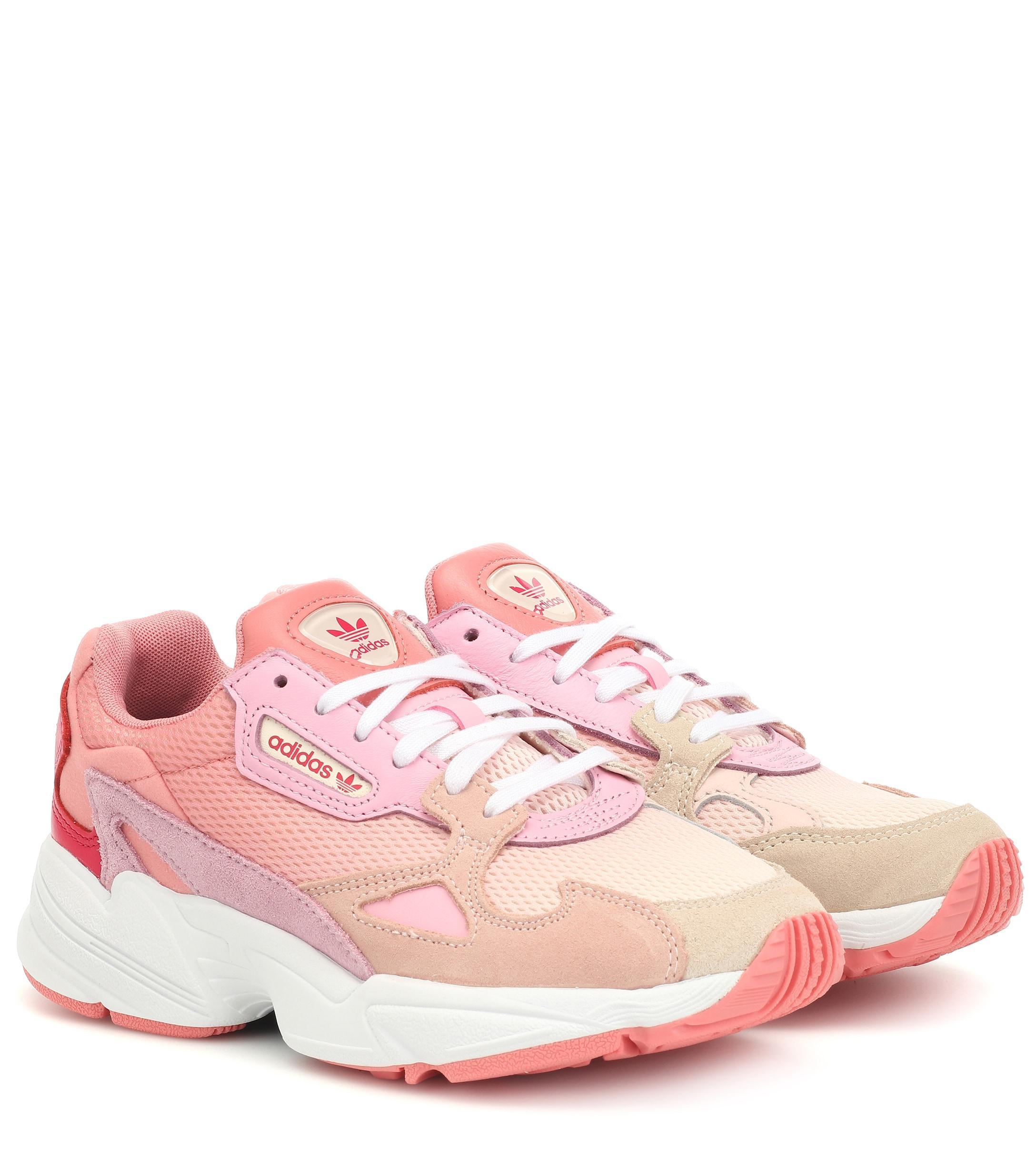 Falcon Runner Peach/peach in Pink